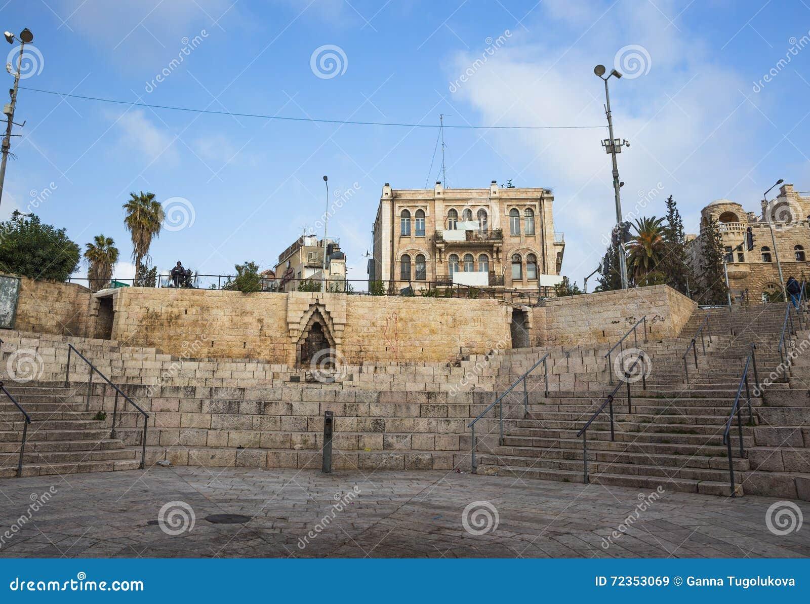 老城市耶路撒冷Viev  在neautiful大厦附近的晴朗的夏日