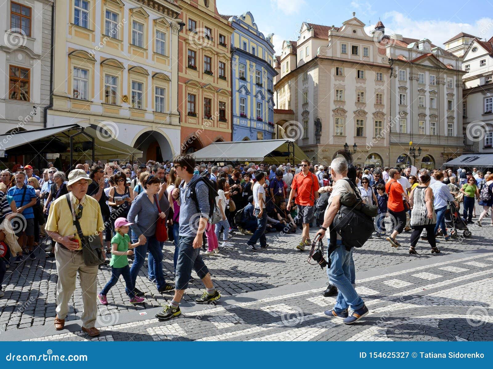 老城广场是布拉格最重要的正方形  布拉格历史的区在区在右边的布拉格1
