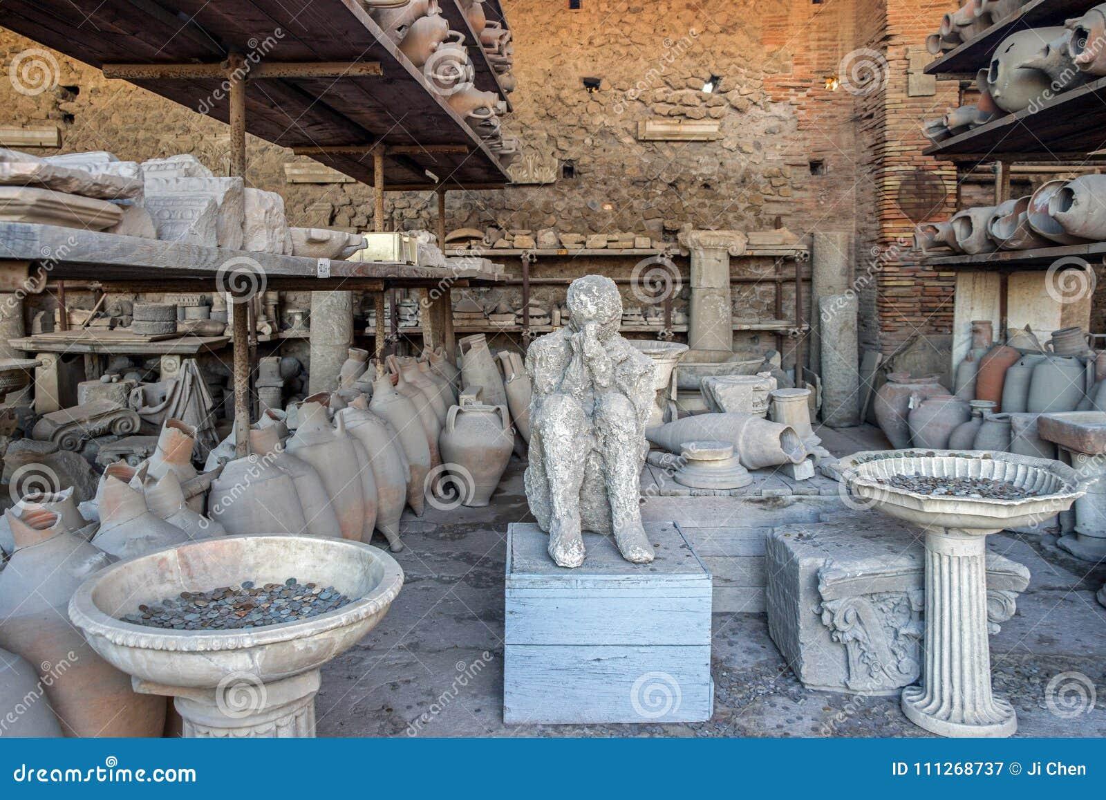 老废墟在庞贝城意大利