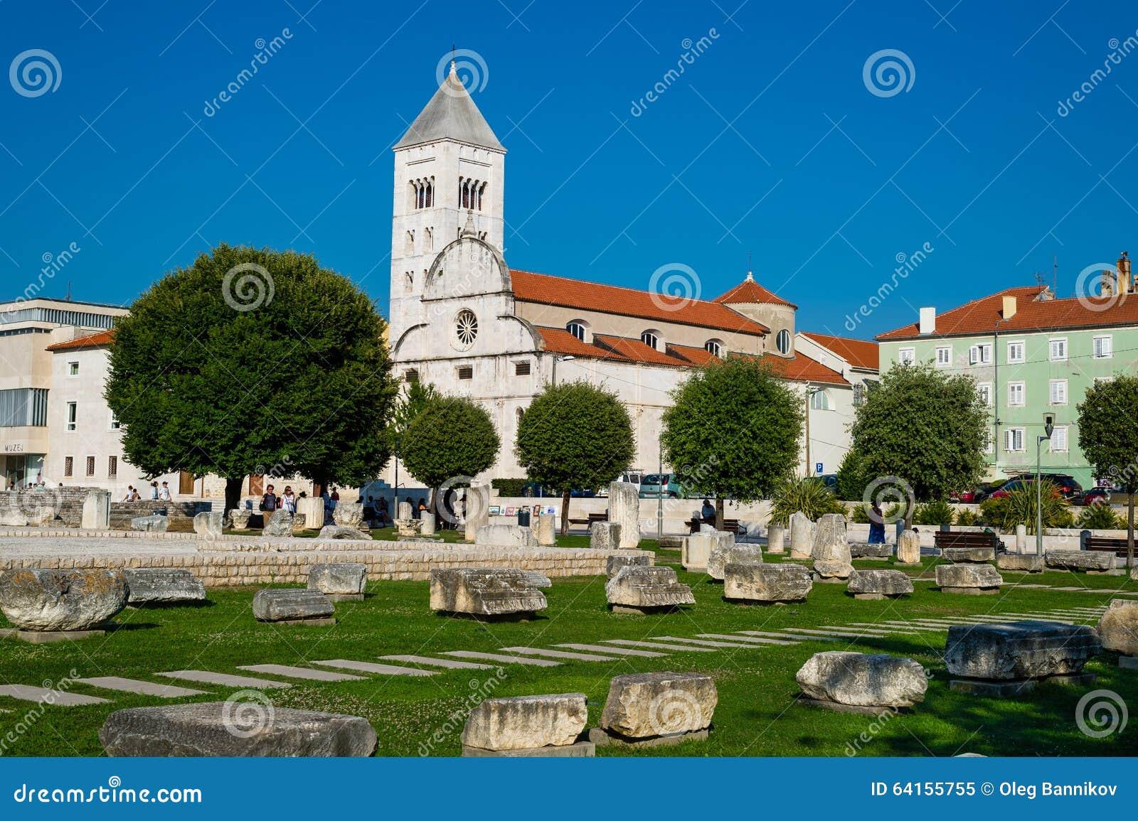 老教会和古老废墟在扎达尔,克罗地亚