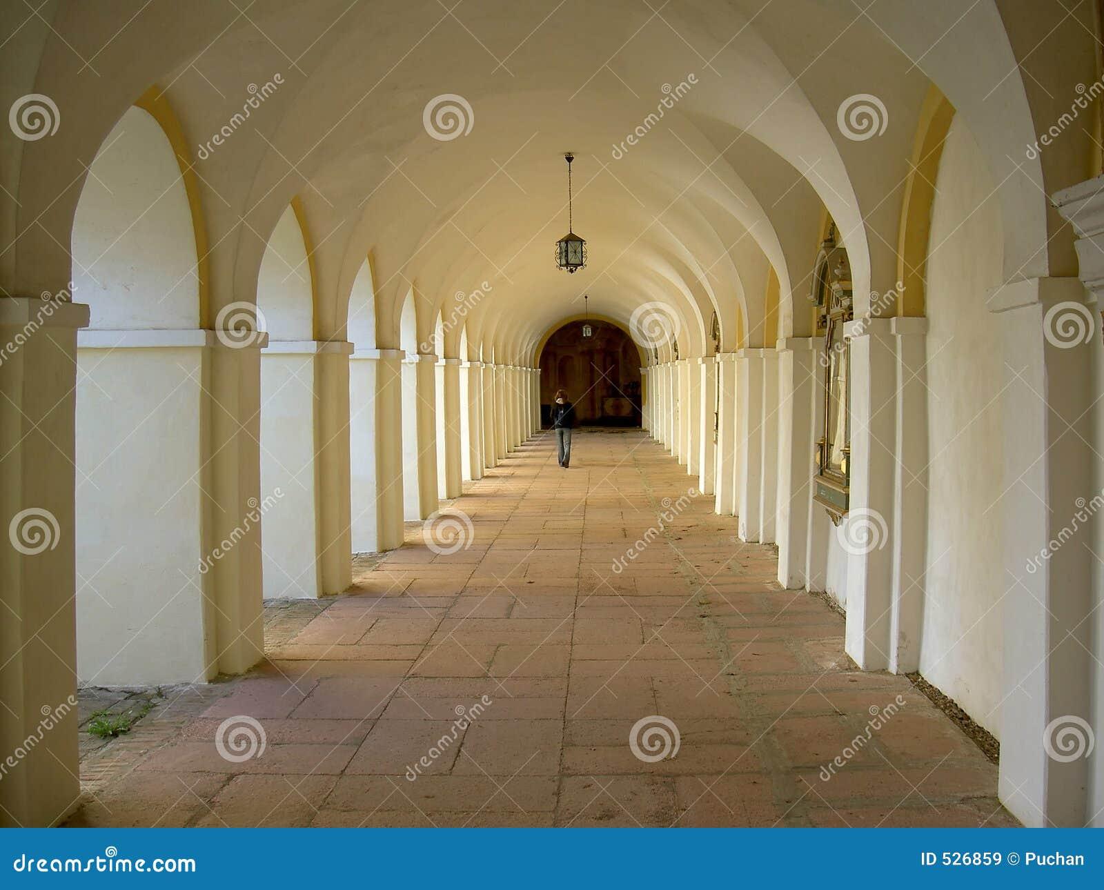 Download 老教会 库存图片. 图片 包括有 黄色, 波兰, 夏天, 宗教信仰, 拱道, 巡回表演者, 旅行, 欧洲, 教会 - 526859