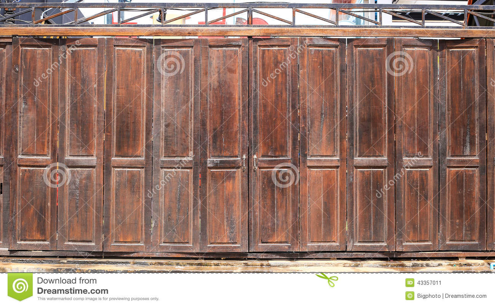 老木毂仓大门