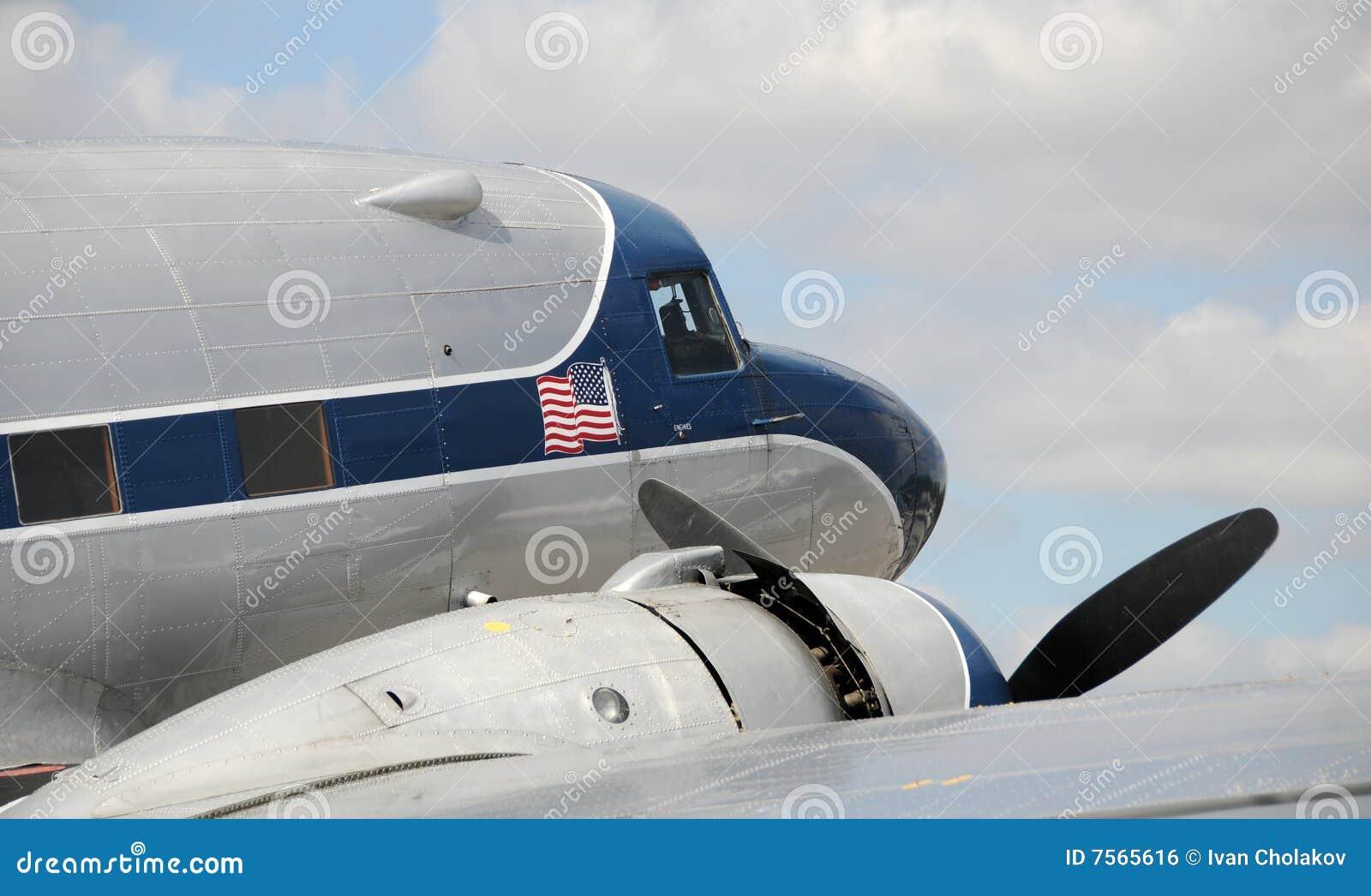 飞机 1300_867