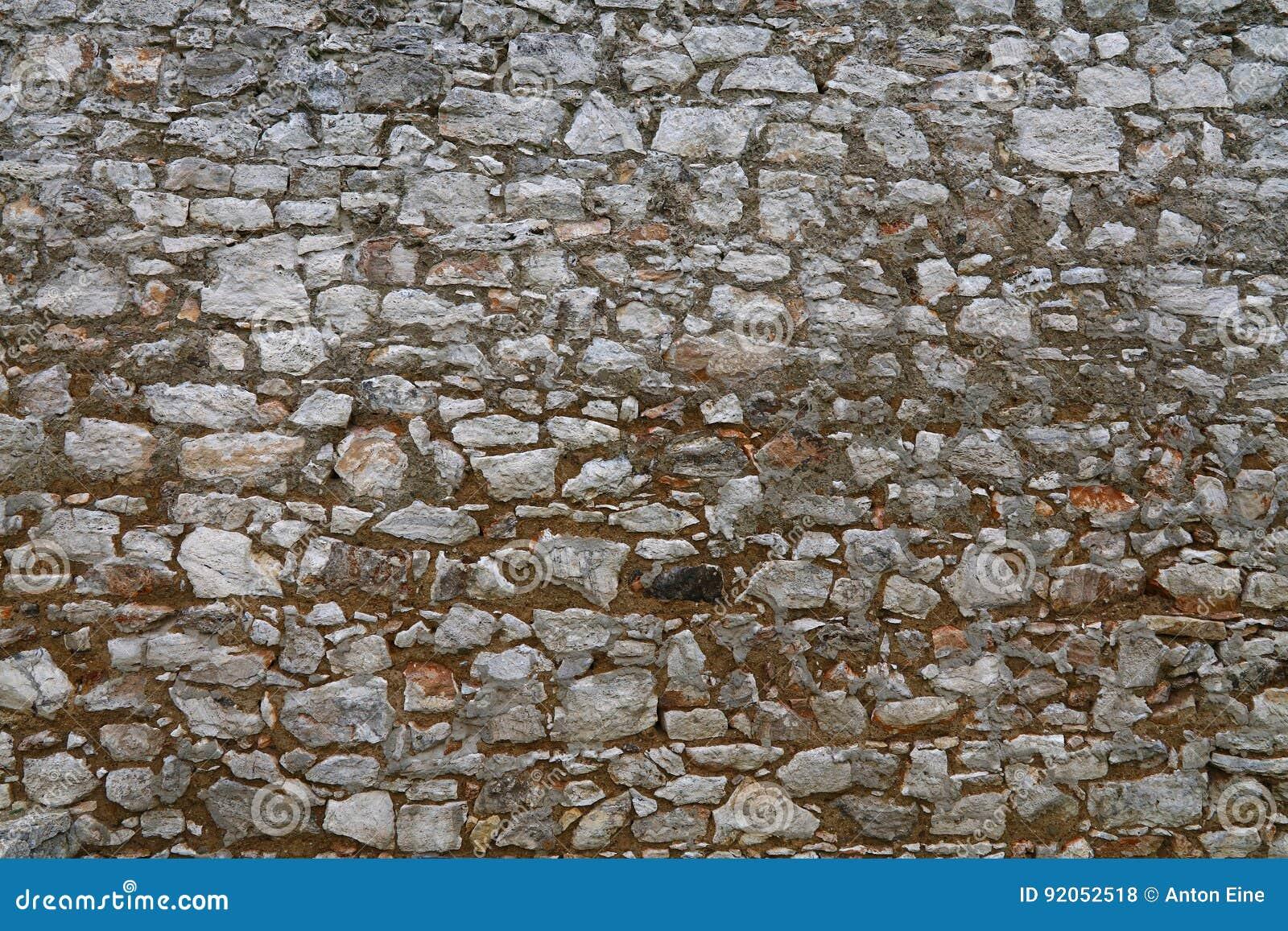 老石头分层了堆积堡垒或城堡墙壁