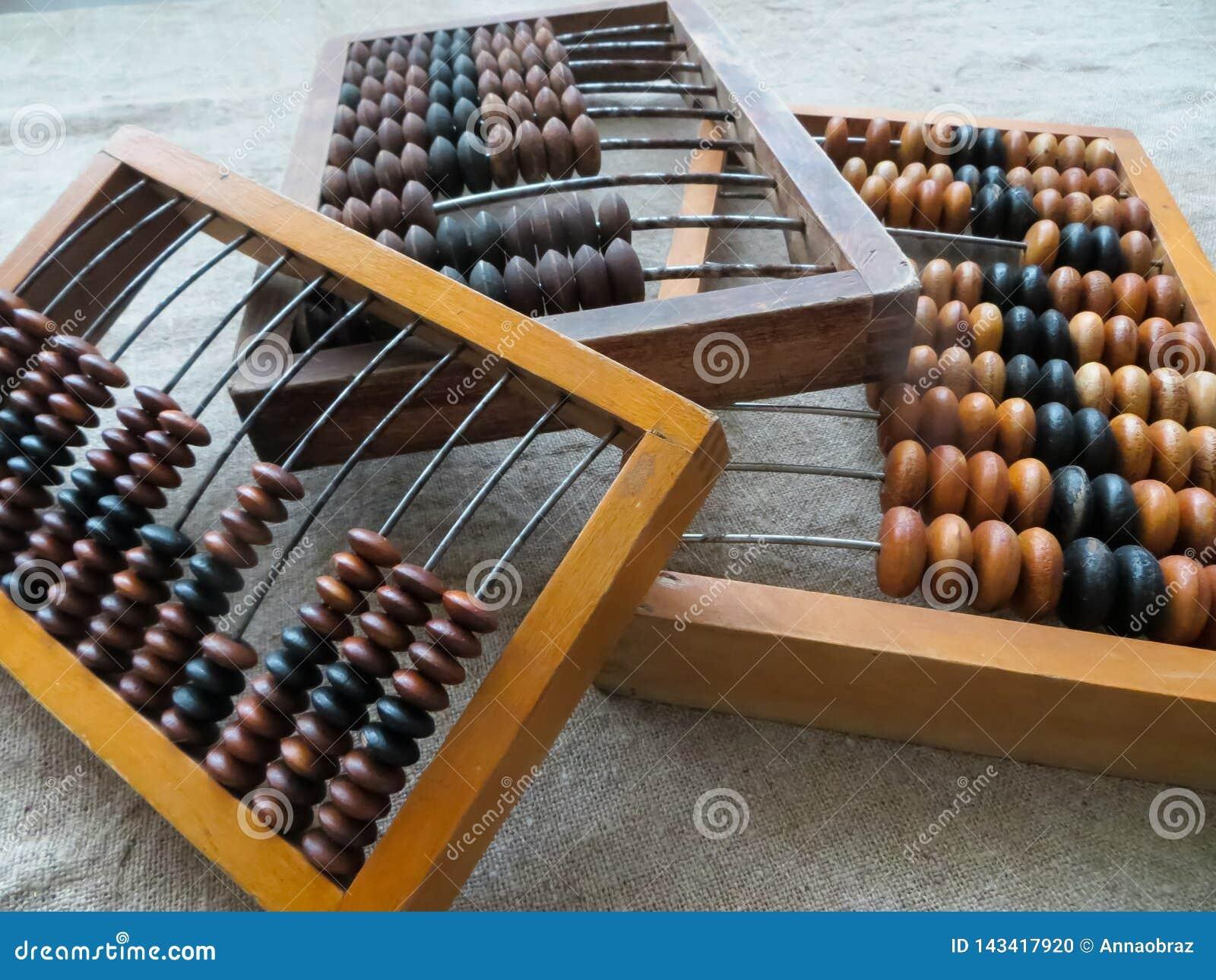 老算盘,在帮助下导致所有数学演算上个世纪中