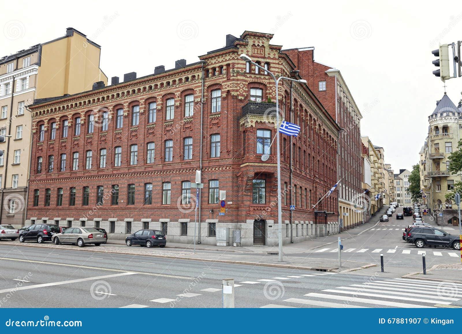 老红砖大厦在1884年修建的与芬兰的旗子