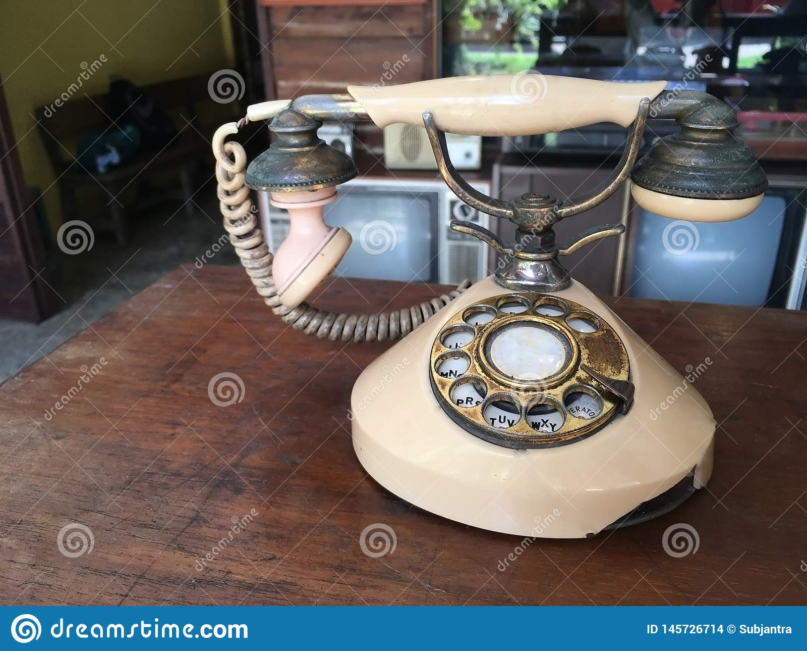 老葡萄酒电话