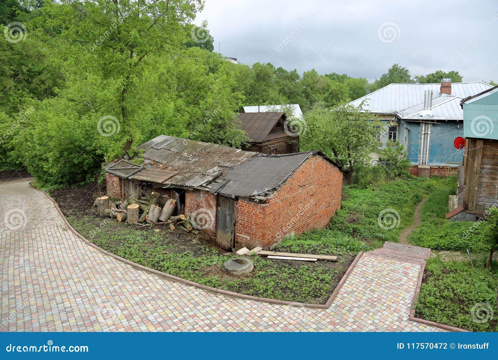 老被放弃的房子