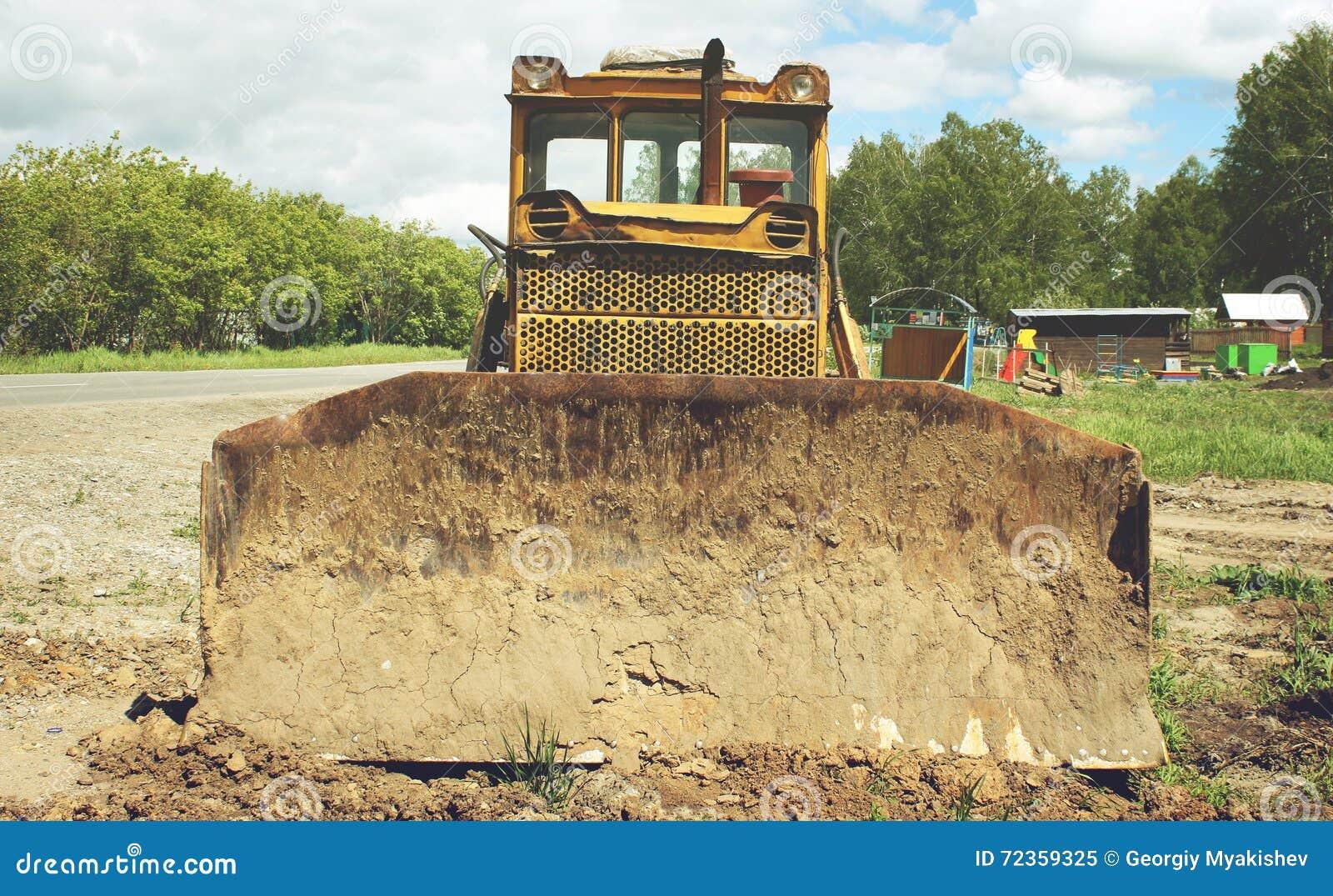 老被放弃的挖掘机