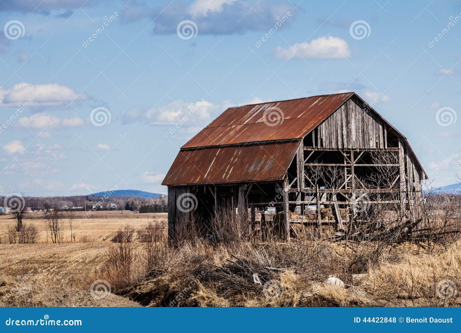 老被放弃的谷仓