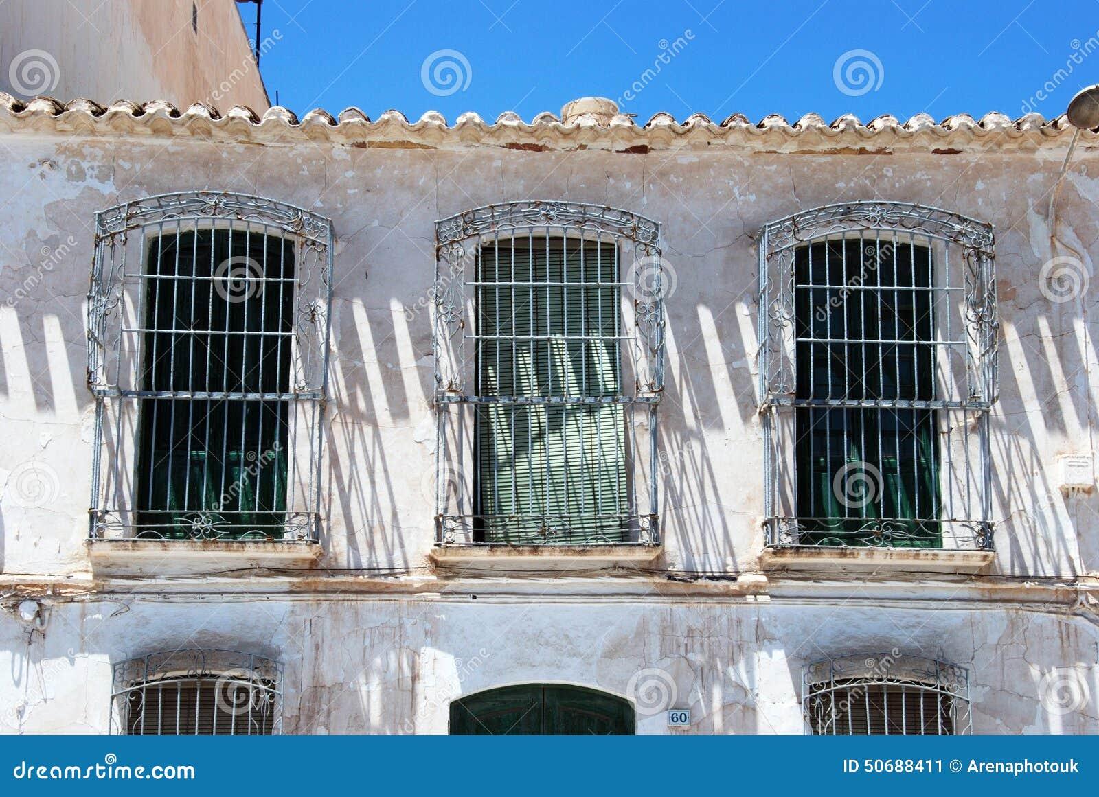Download 老西班牙房子,加鲁查 库存图片. 图片 包括有 西班牙, 邋遢, 布琼布拉, 安大路西亚, 拱道, 欧洲 - 50688411