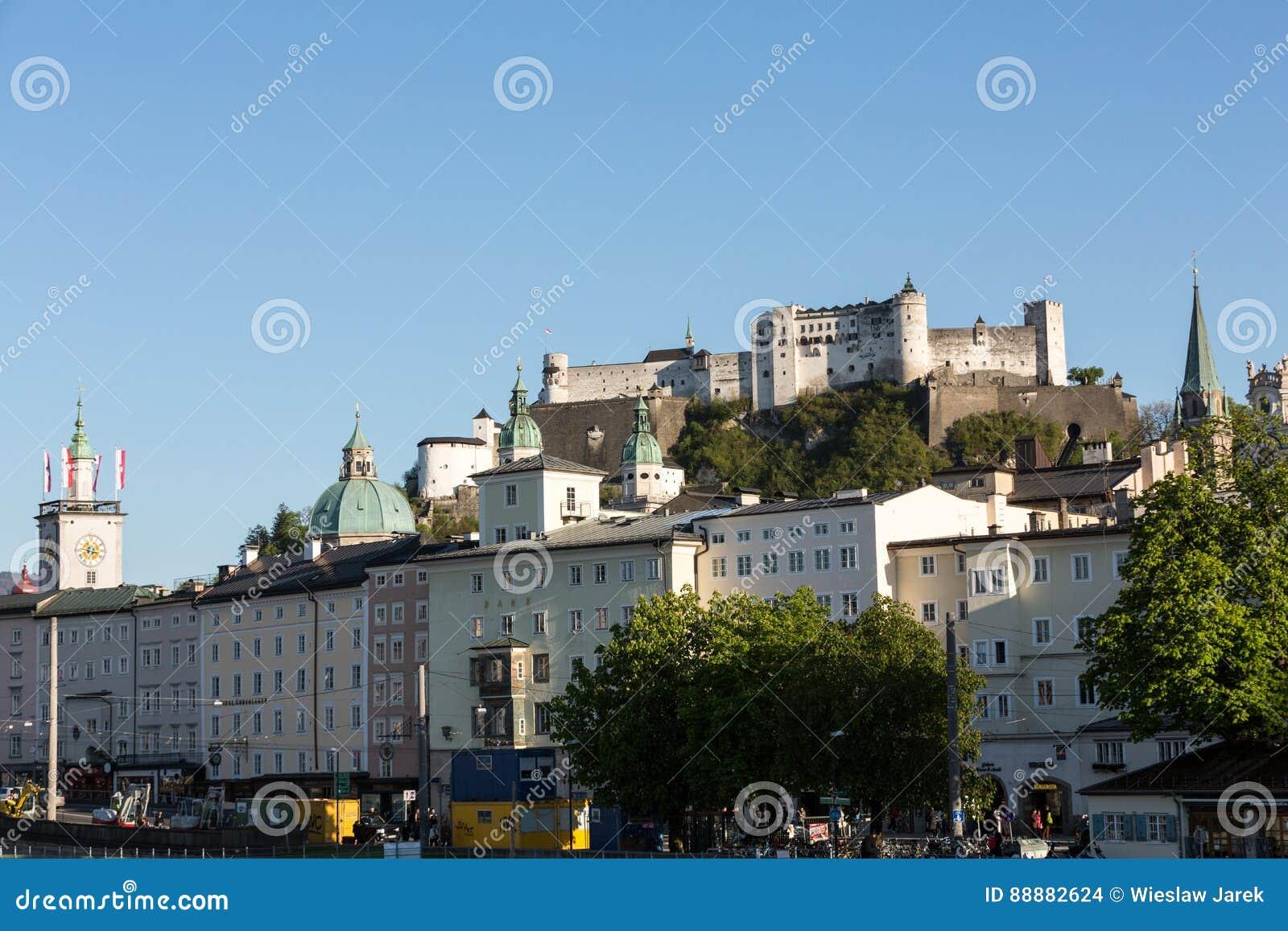 老镇和堡垒Hohensalzburg,美丽的中世纪城堡在萨尔茨堡,