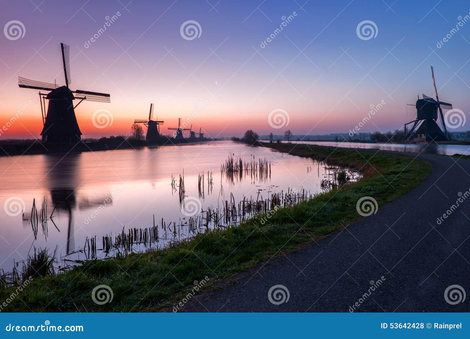 老风车在小孩堤防,荷兰