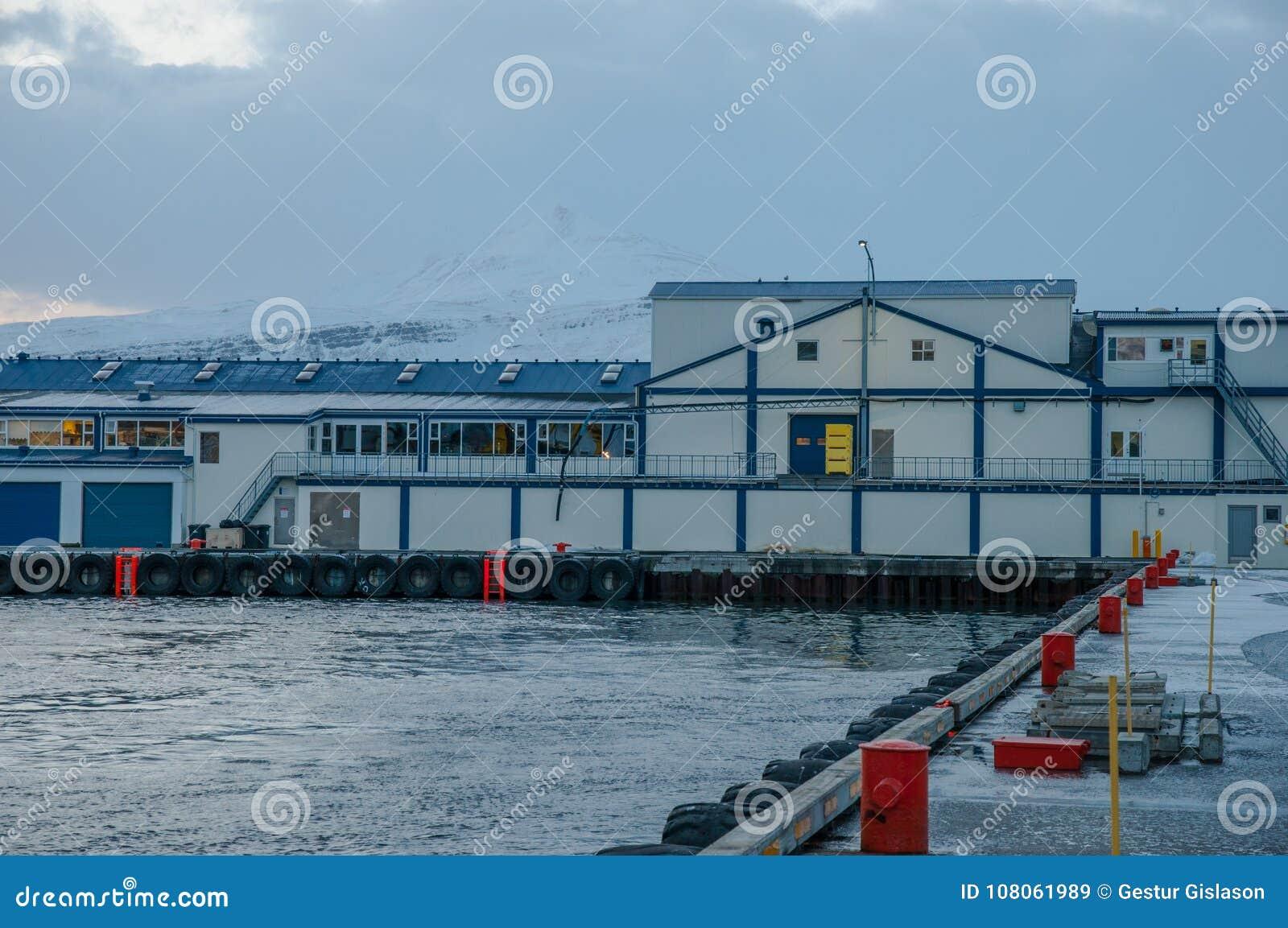 老鱼工厂在冰岛