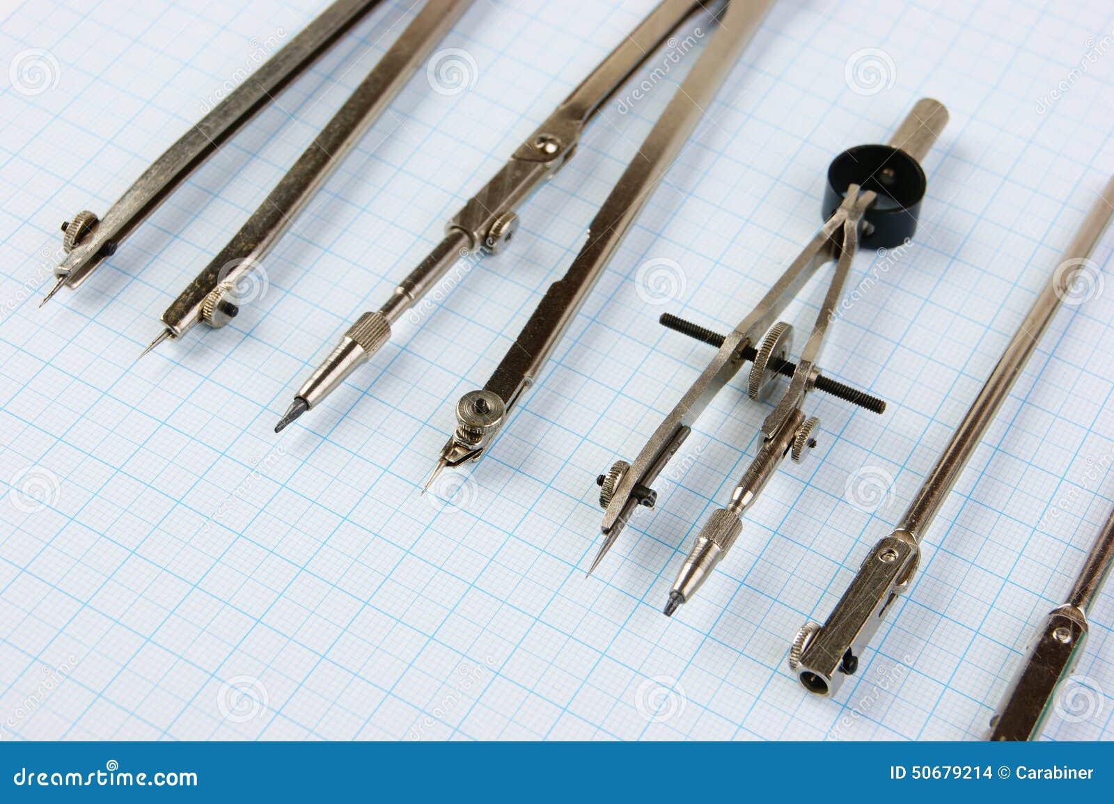 Download 老绘图工具 库存照片. 图片 包括有 工程, 铅笔, 机械, 图画, 几何, 绘画, 教育, 设备, 剧情 - 50679214