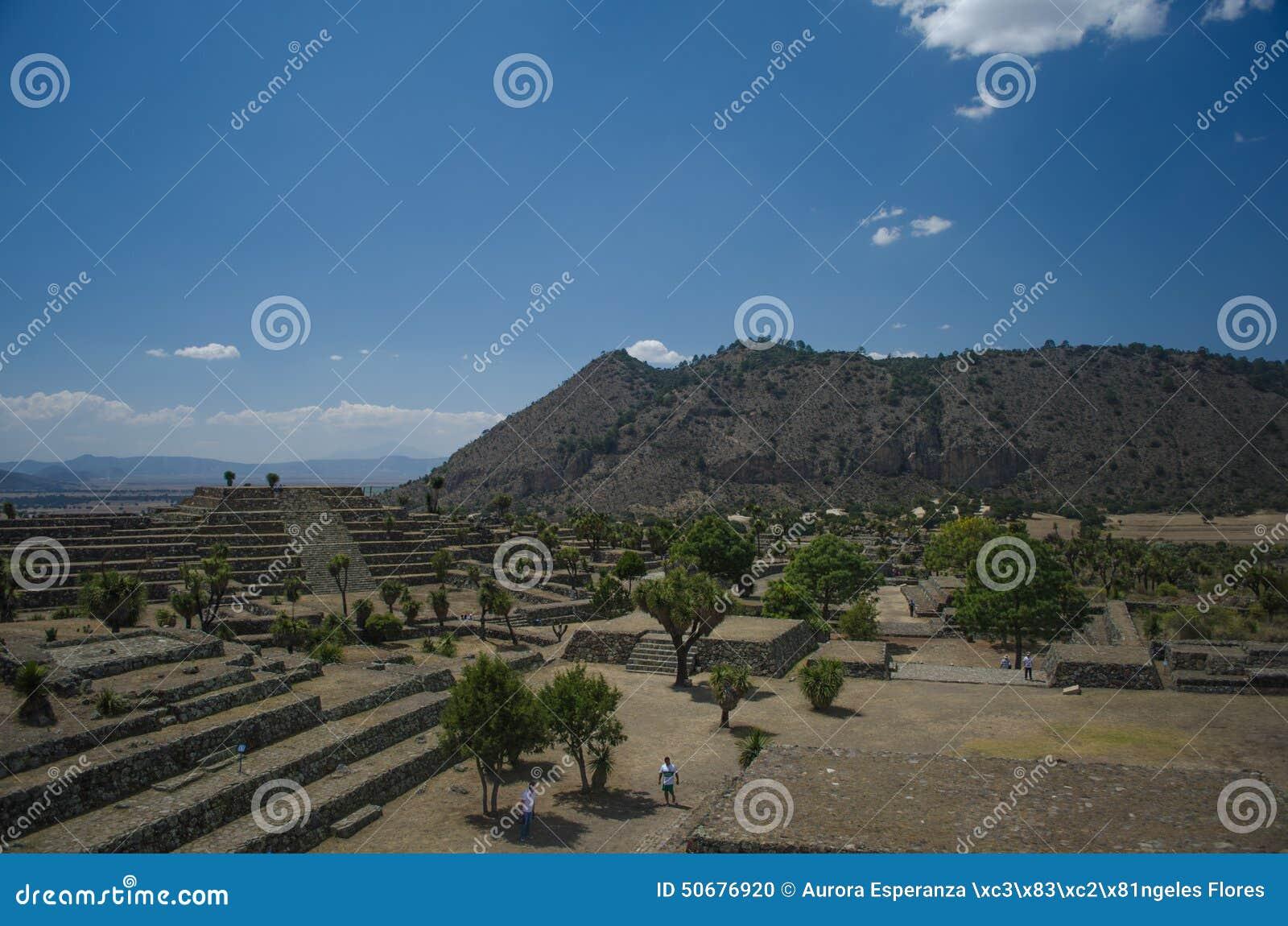 Download 考古学废墟在墨西哥 编辑类图片. 图片 包括有 适当位置, 石头, 镇痛药, 中心, 墨西哥, 装饰品, 金字塔 - 50676920