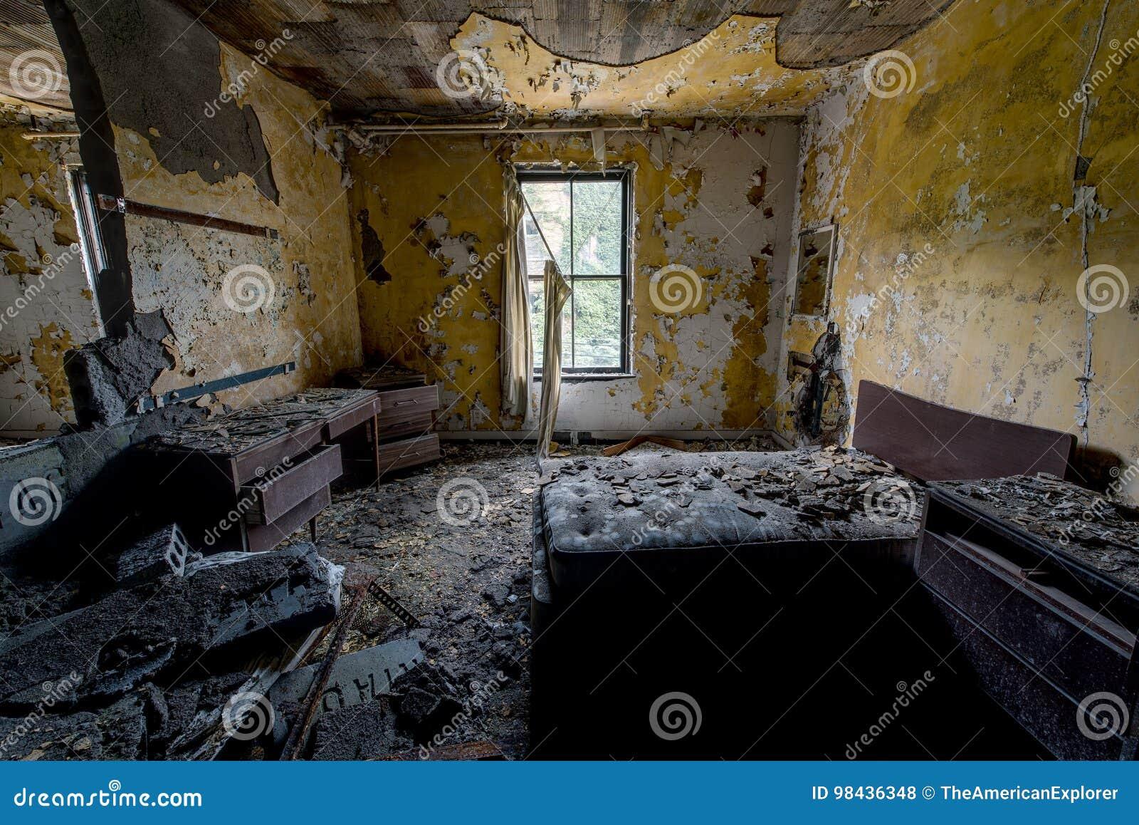 耐心室-被放弃的医院&老人院
