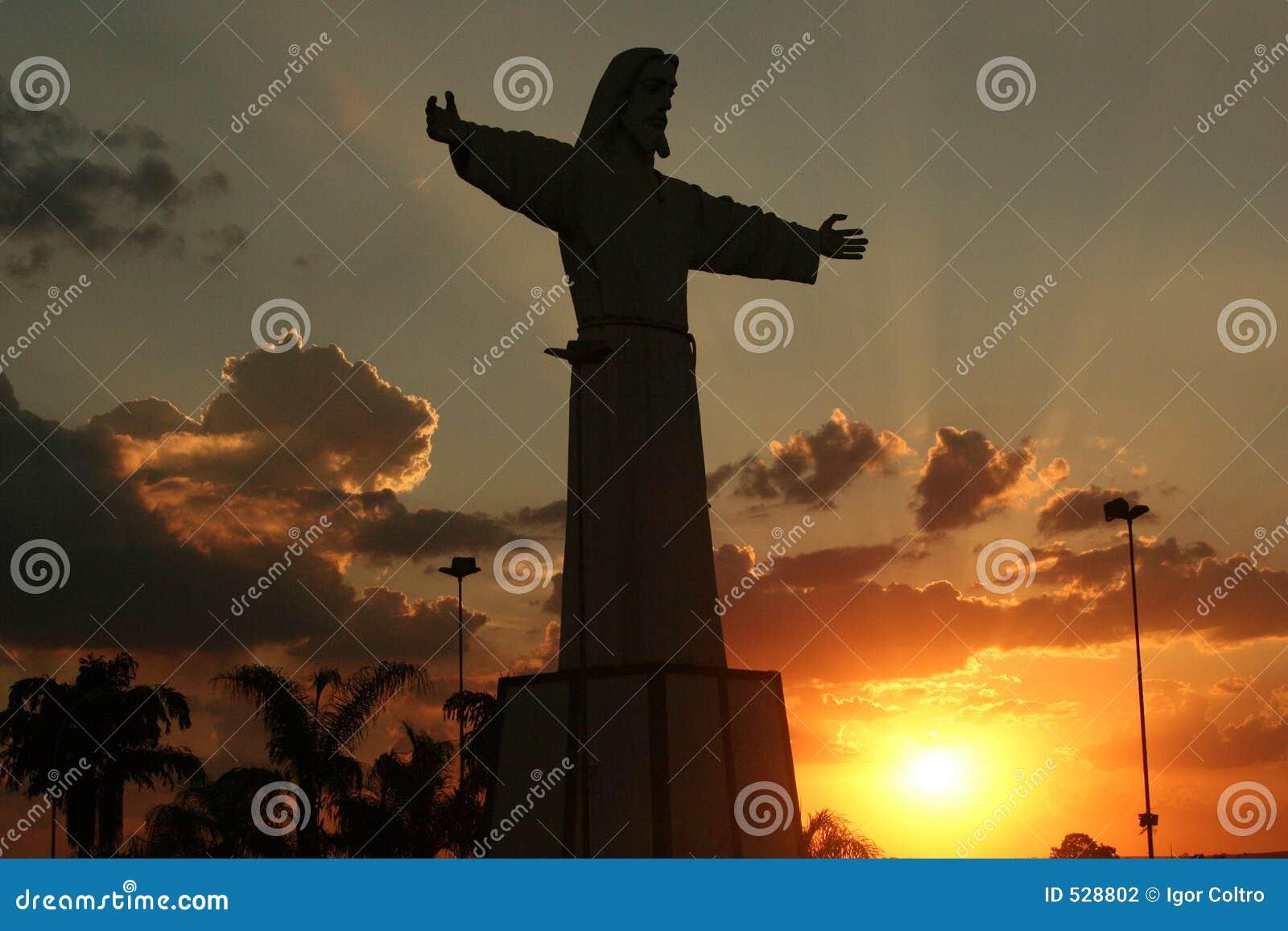 Download 耶稣剪影 库存照片. 图片 包括有 云彩, 基督, 日落, 影子, 剪影, 天空, 耶稣, 雕象 - 528802