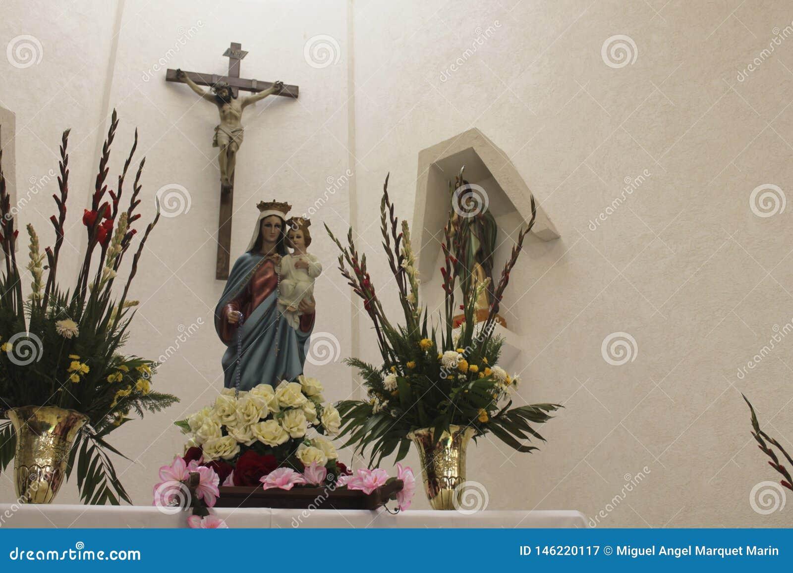 耶稣受难象、圣母玛丽亚有孩子的耶稣和圣徒犹大塔德奥