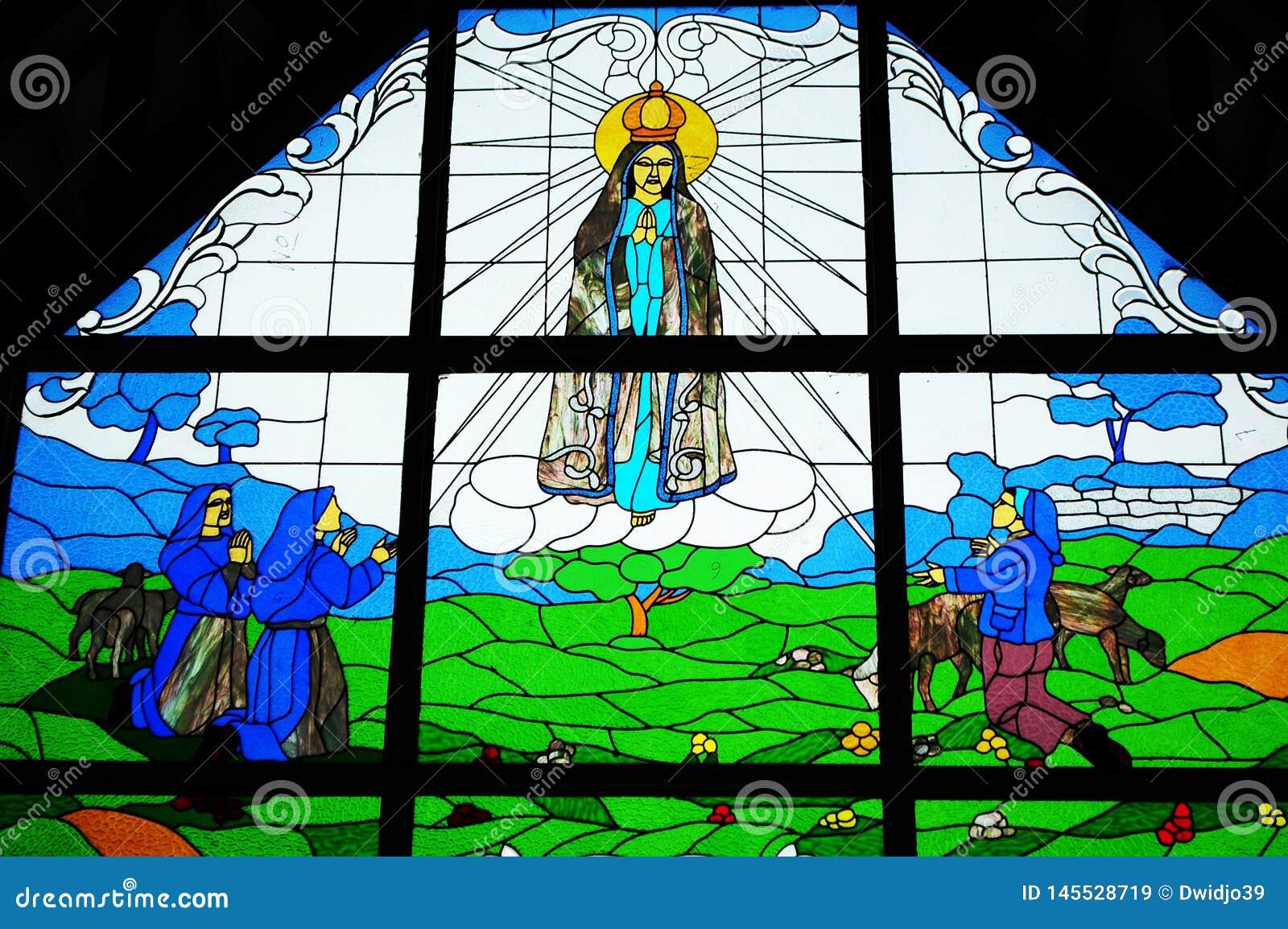 耶稣彩色玻璃