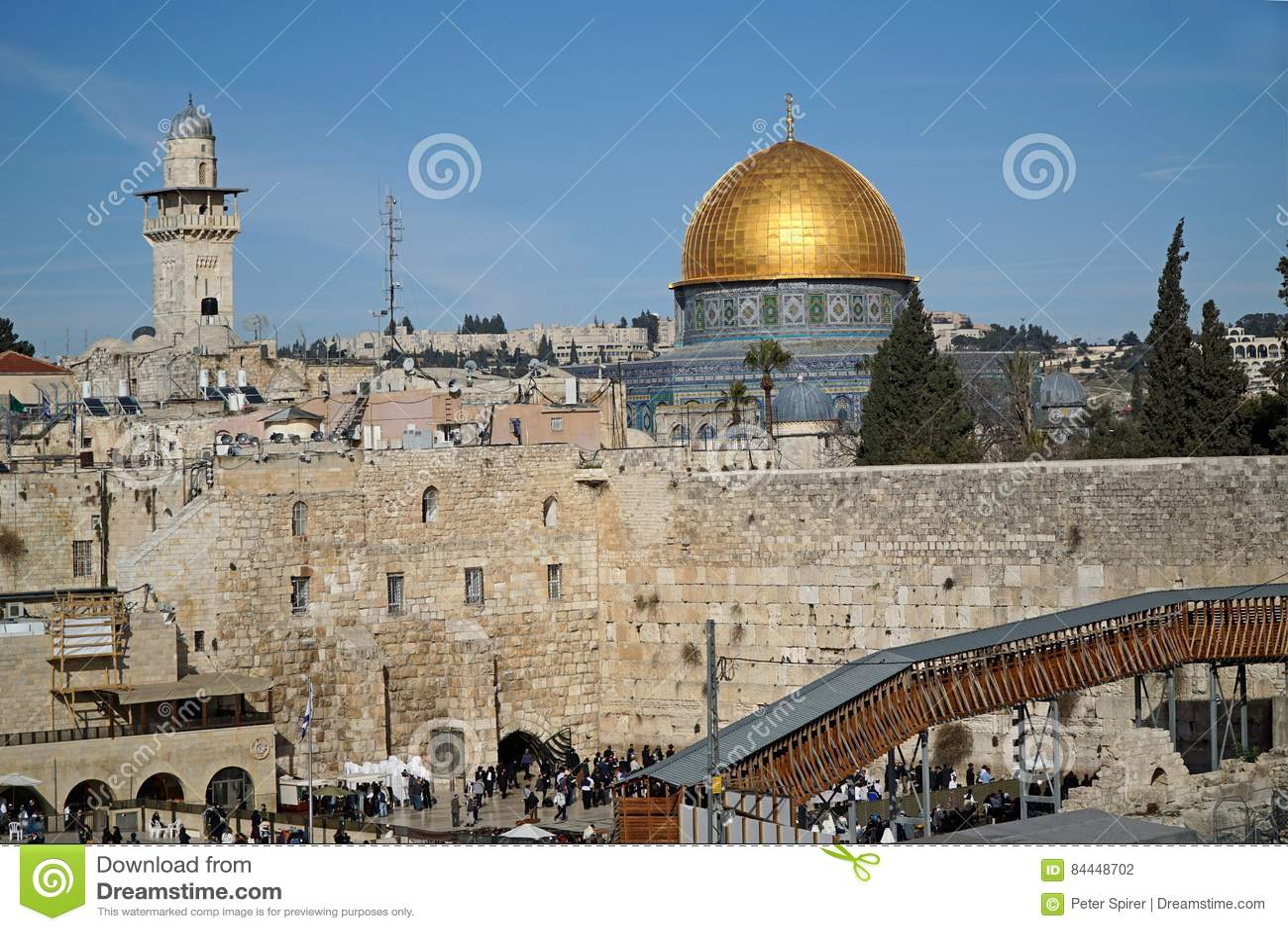 耶路撒冷,岩石的圆顶在西部墙壁上坐