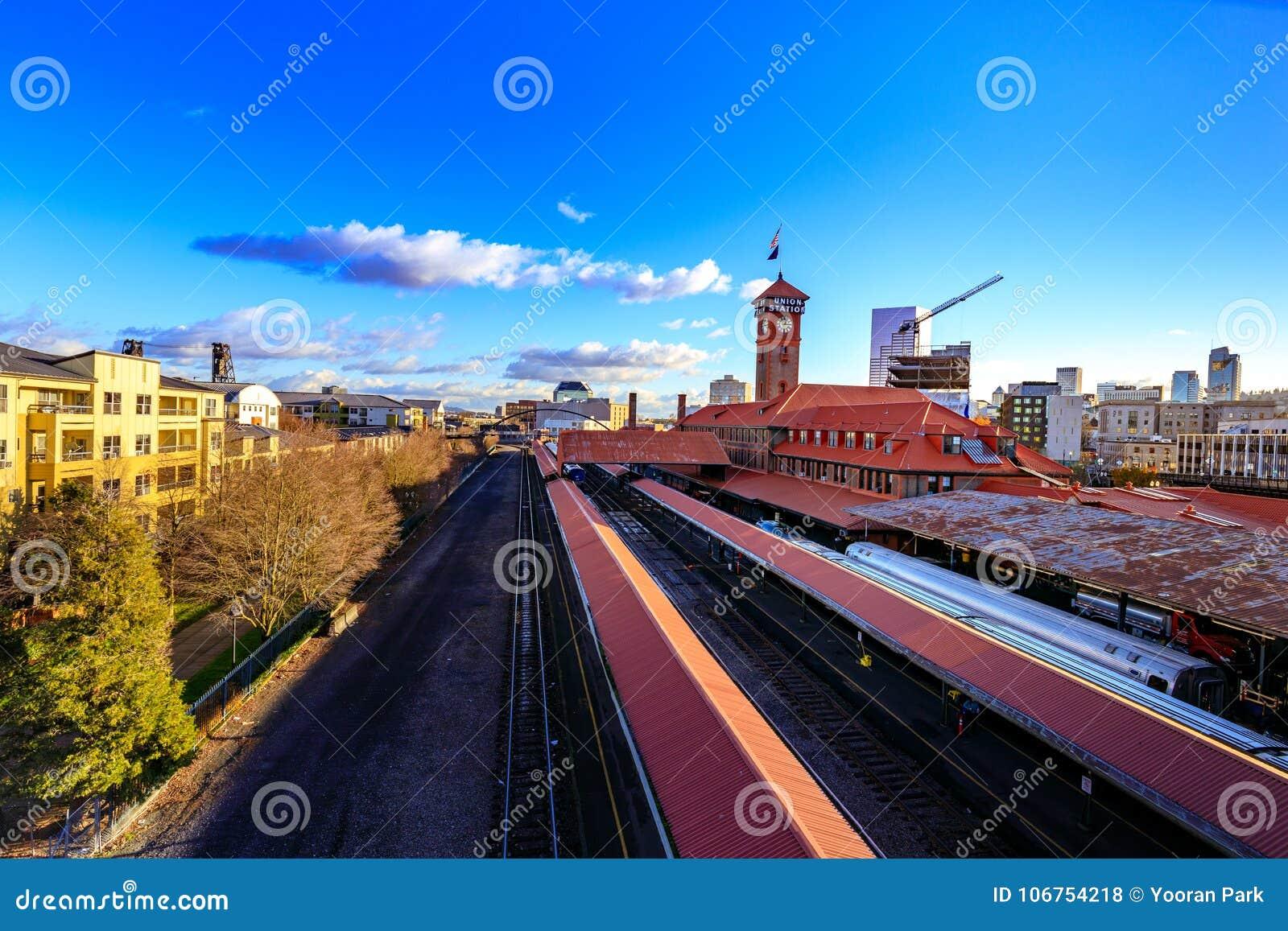 联合驻地火车运输复杂修造的尖沙咀钟楼