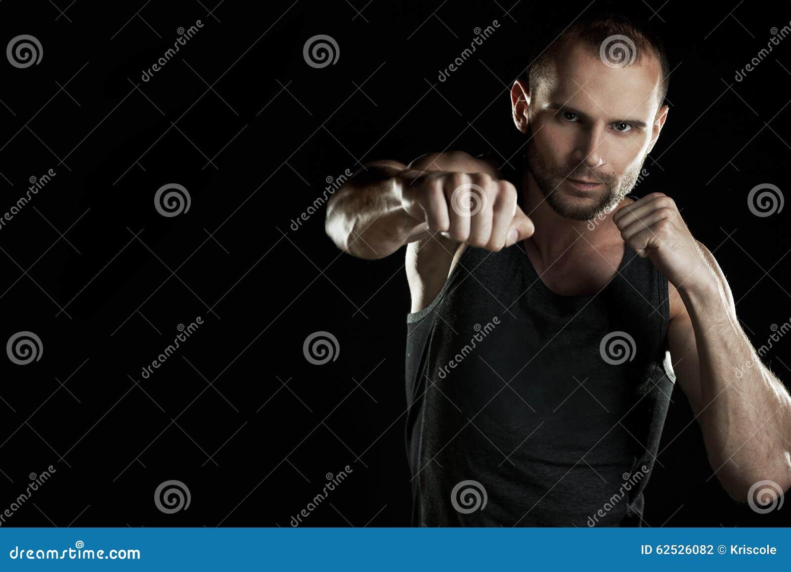 肌肉人,小时拳击手,黑背景