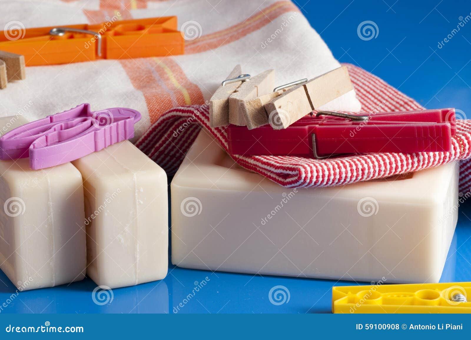 肥皂、衣裳和洗衣店