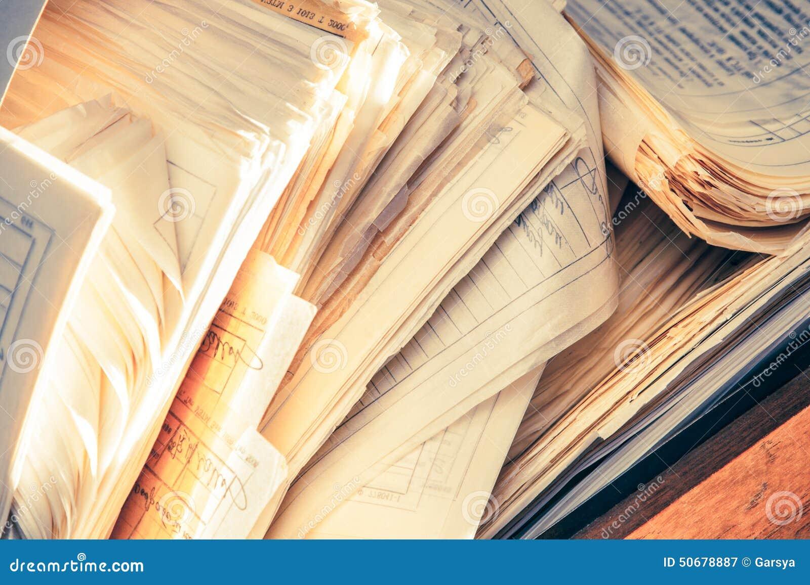 Download 肮脏的杂乱纸张文件 库存图片. 图片 包括有 文件夹, 管理, 尘土, 数据, 寄存器, 搜索, 笔记本 - 50678887