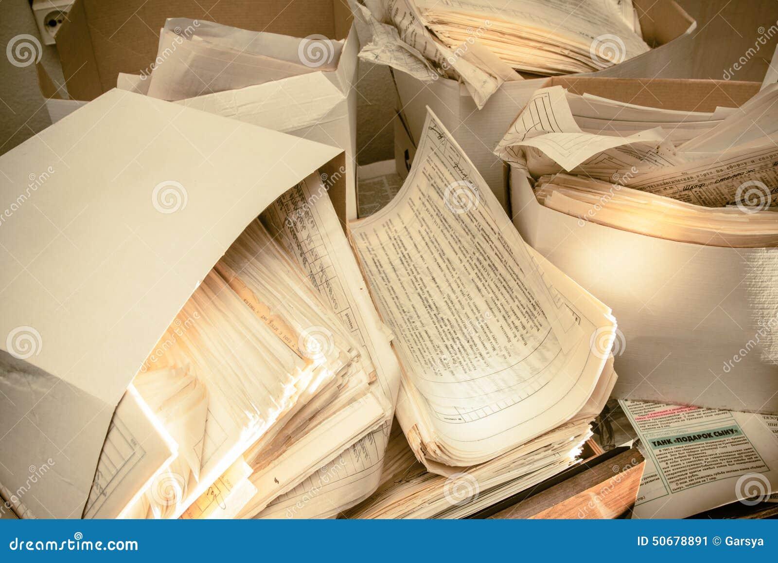 Download 肮脏的杂乱纸张文件 库存图片. 图片 包括有 管理, 特写镜头, 办公室, 信息, 纸张, 商业, 组织 - 50678891