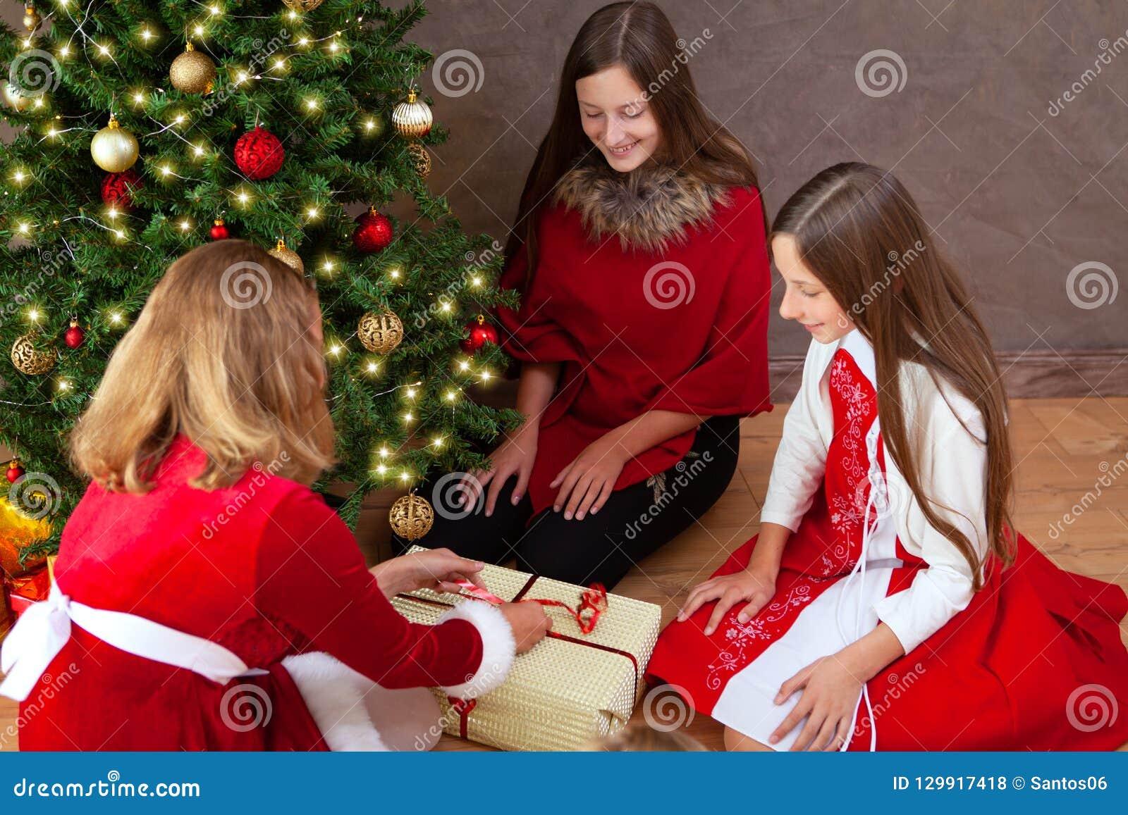 背景圣诞节关闭红色时间