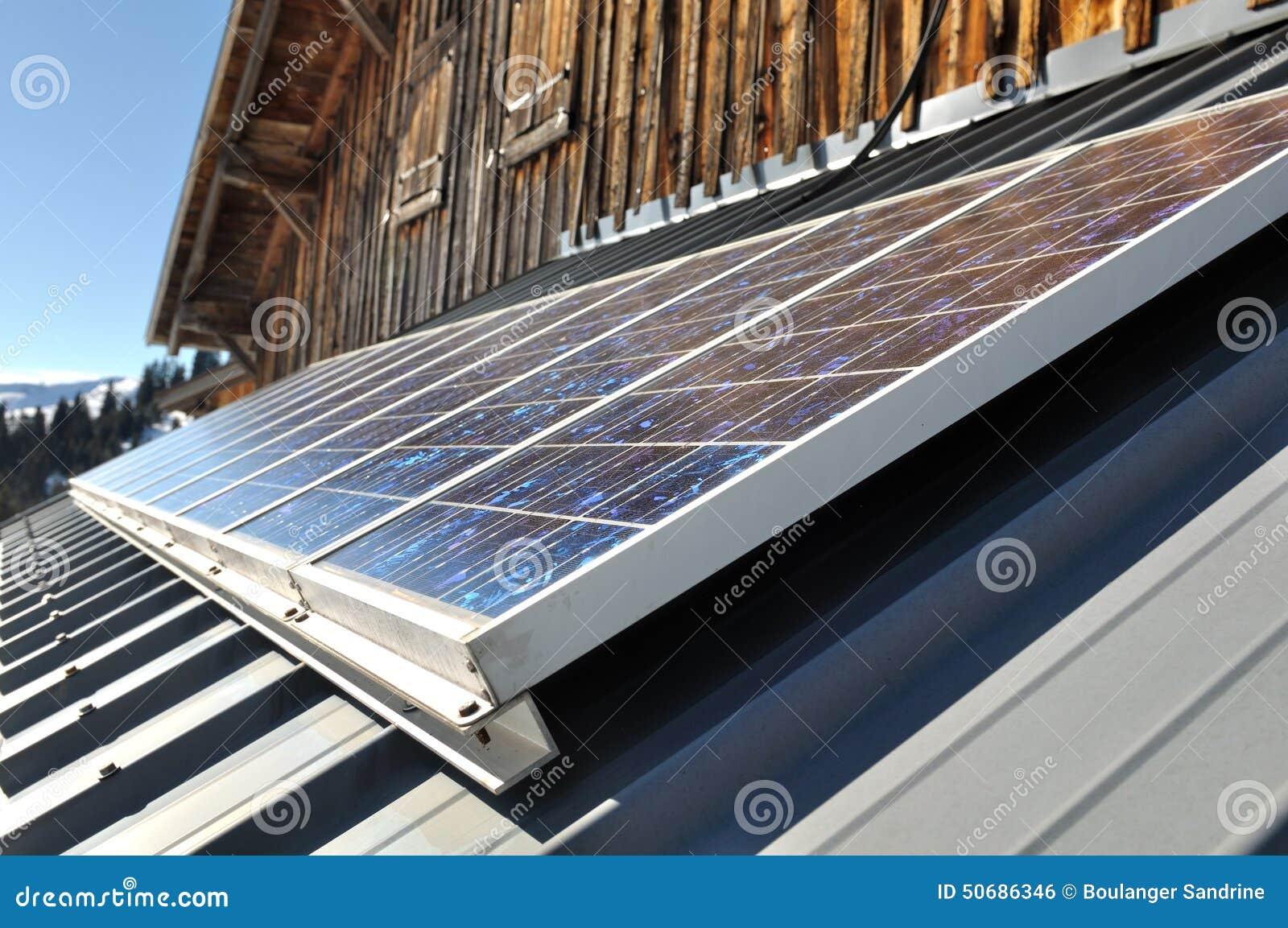 Download 能源现有量查出的面板太阳星期日白色 库存照片. 图片 包括有 面板, 客舱, 生态, 村庄, 房子, 太阳 - 50686346