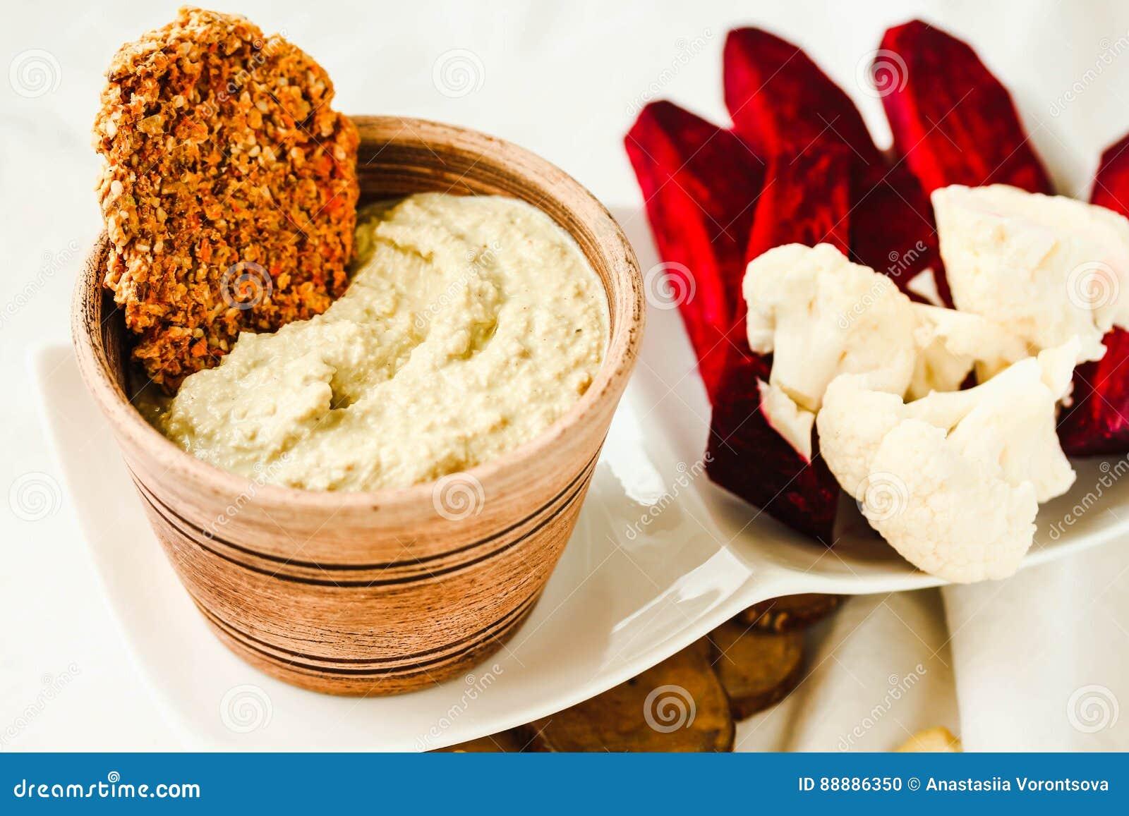 腰果调味汁,从坚果的日志免费乳酪用红萝卜薄脆饼干a