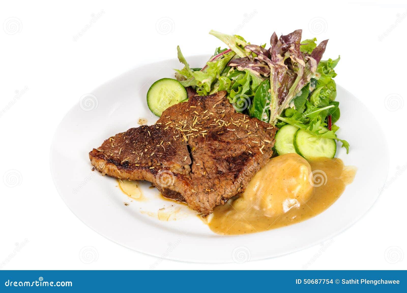 Download 臀部的牛排用土豆泥和混合菜在板材 库存照片. 图片 包括有 新鲜, 土豆, 调味汁, 牌照, 绿色, 可口 - 50687754