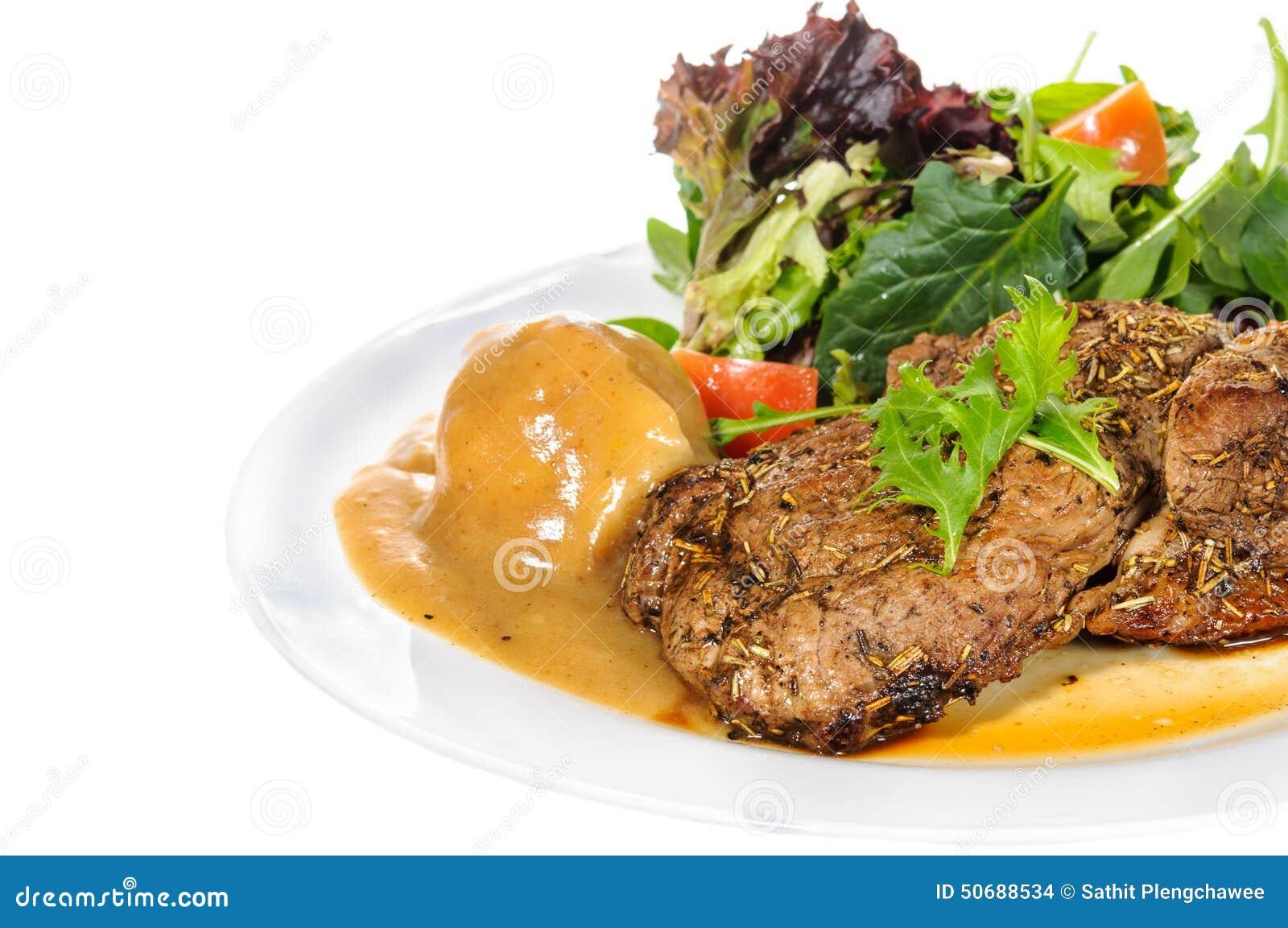 Download 臀部的牛排用土豆泥和混合菜在板材 库存照片. 图片 包括有 可口, 内圆角, 新鲜, 用餐, 油煎, 牌照 - 50688534