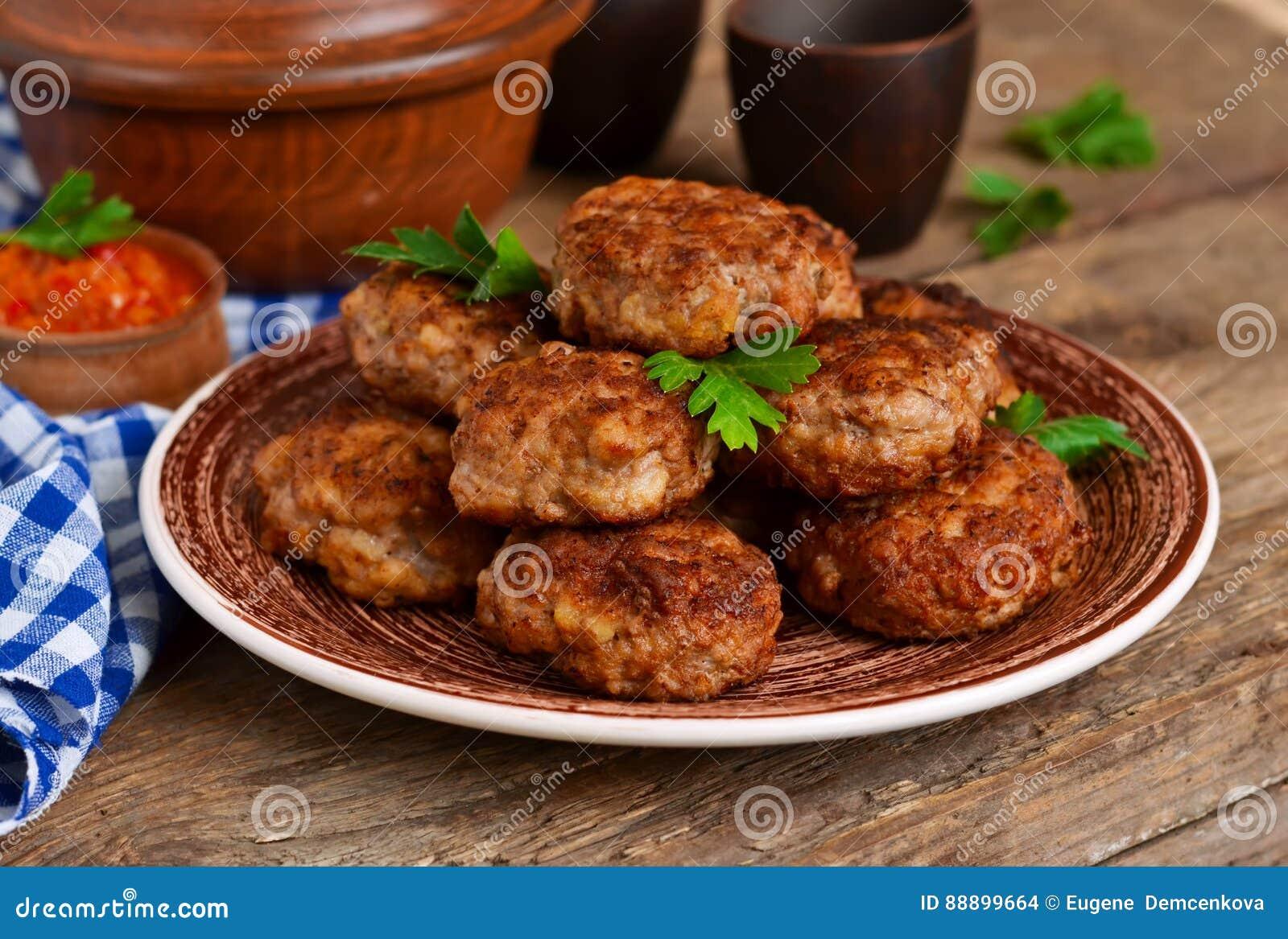 自创丸子用肉和葱