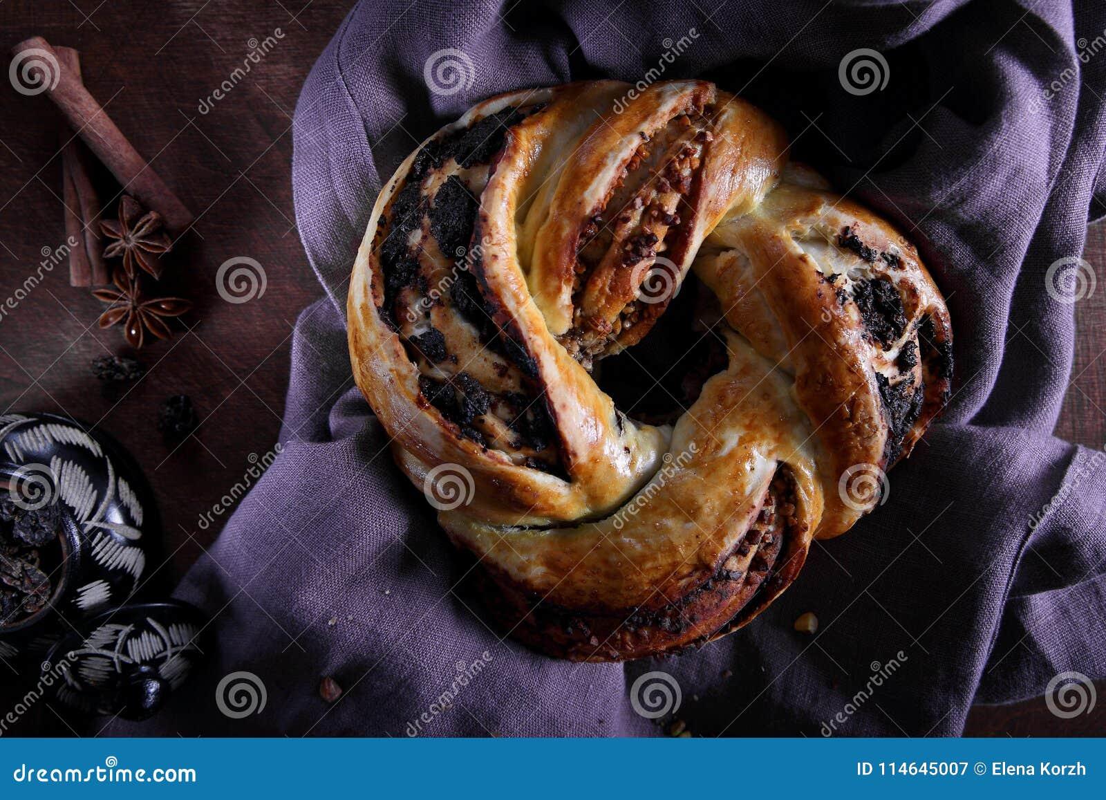 自创小圆面包用葡萄干,桂香