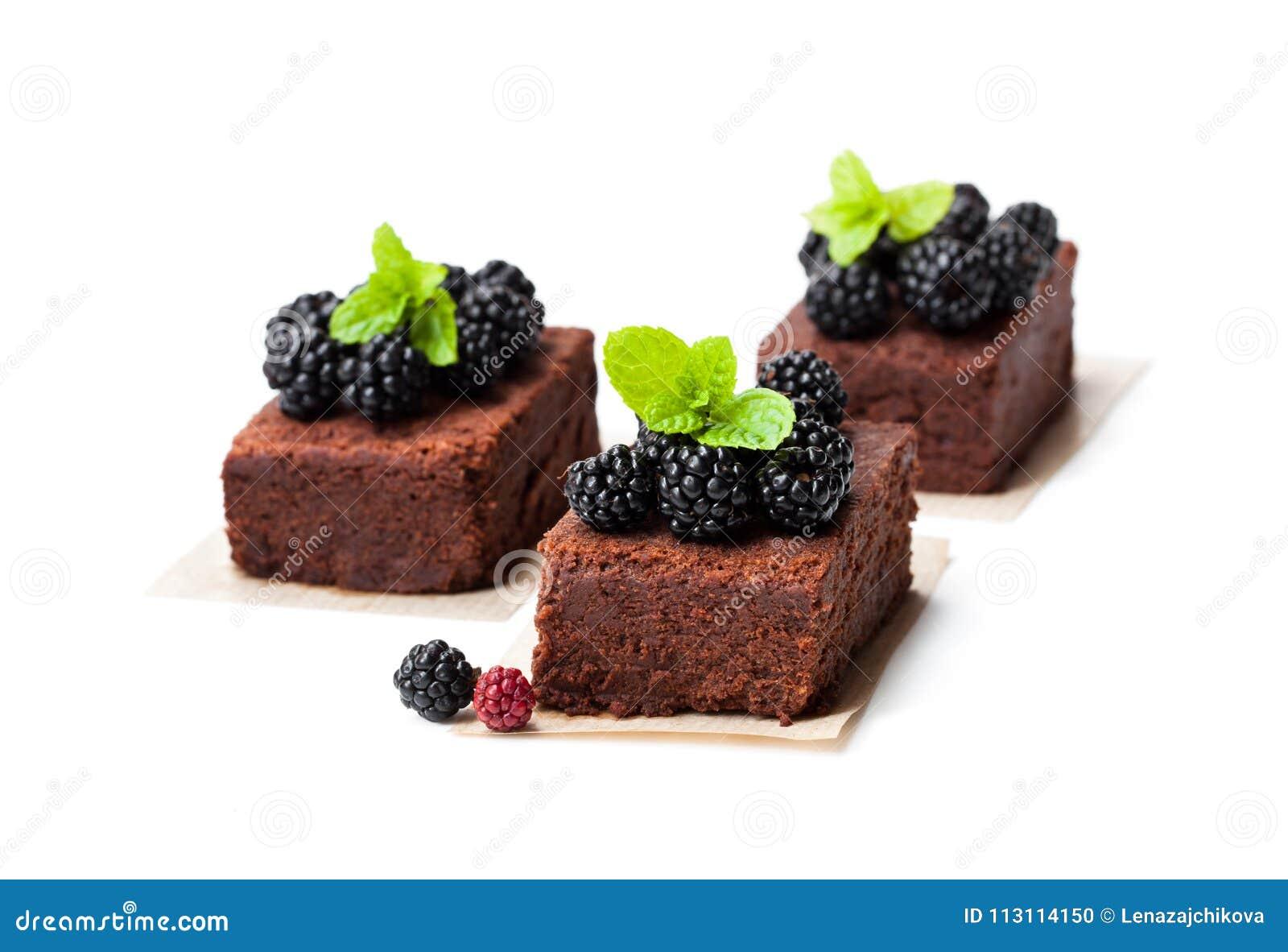 自创巧克力果仁巧克力切片用在丝毫隔绝的莓果