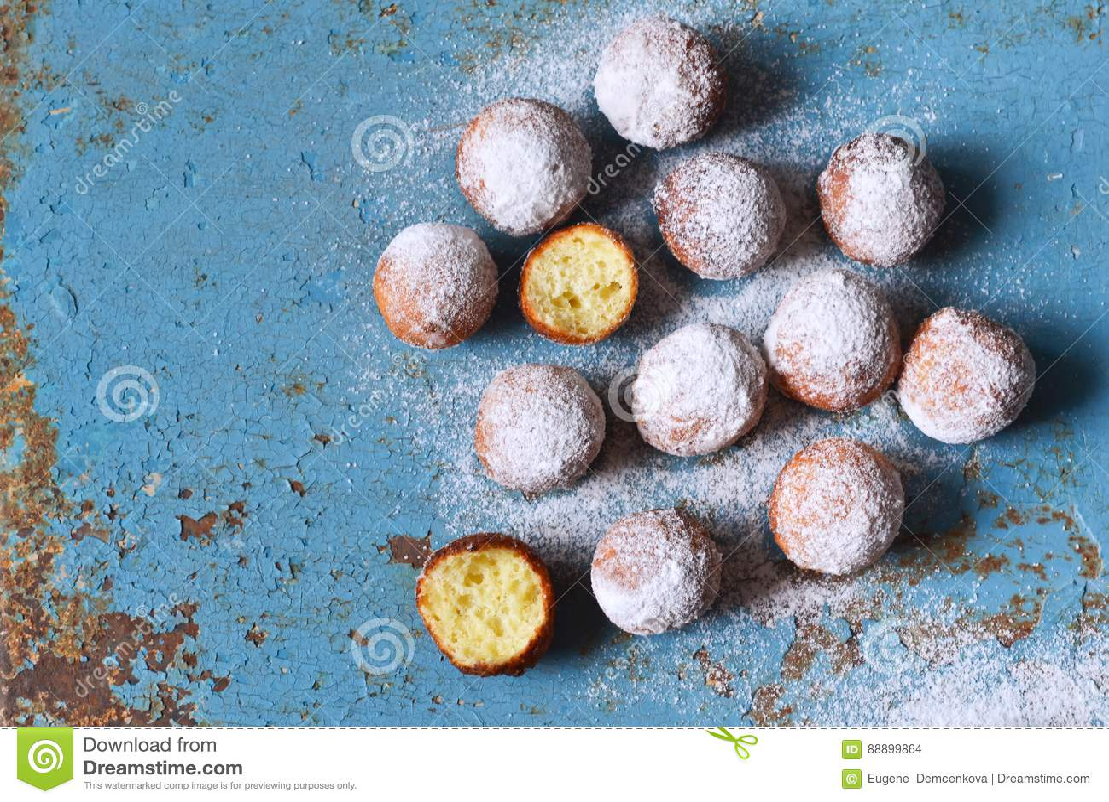 自创油炸圈饼用搽粉的糖