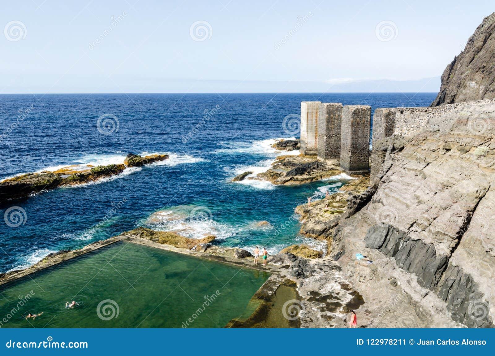 自然水池在戈梅拉岛,加那利群岛