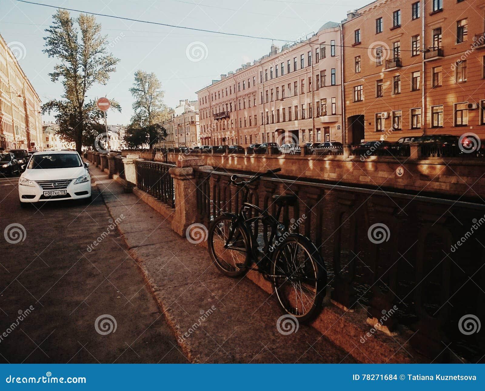 自行车在城市
