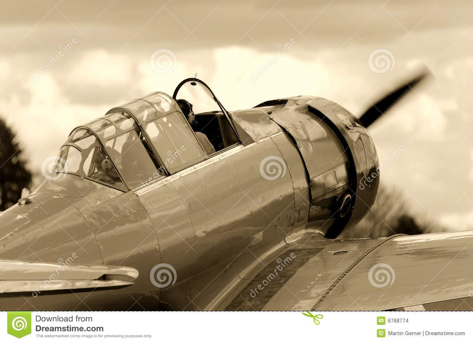 航空器战斗机培训葡萄酒