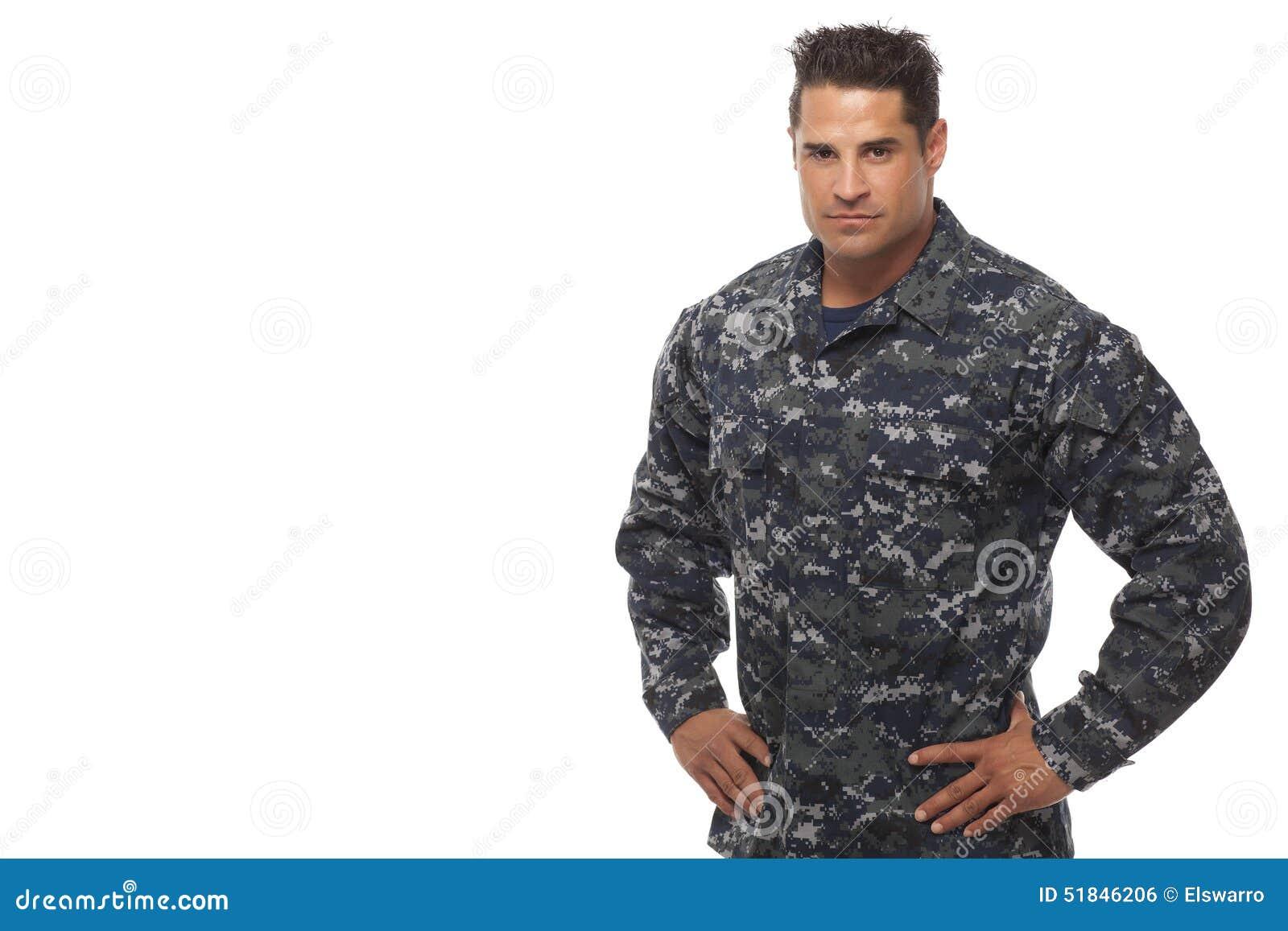 船员用在臀部的手