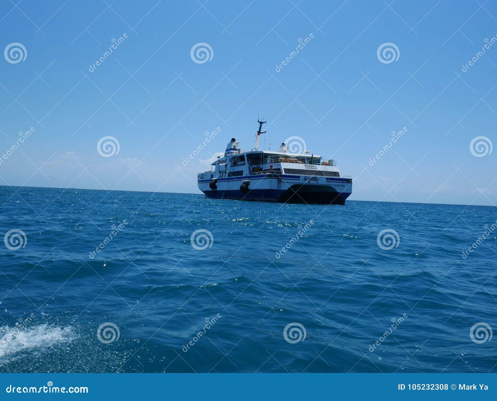 船在印度洋