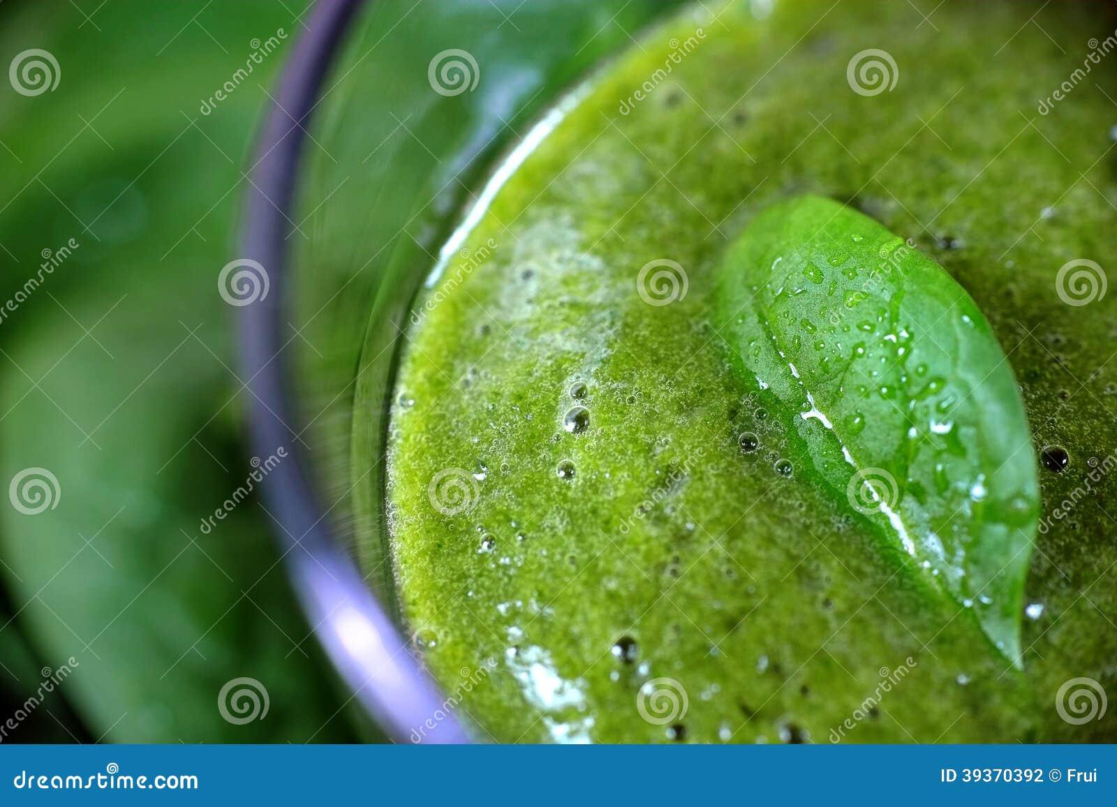 绿色圆滑的人