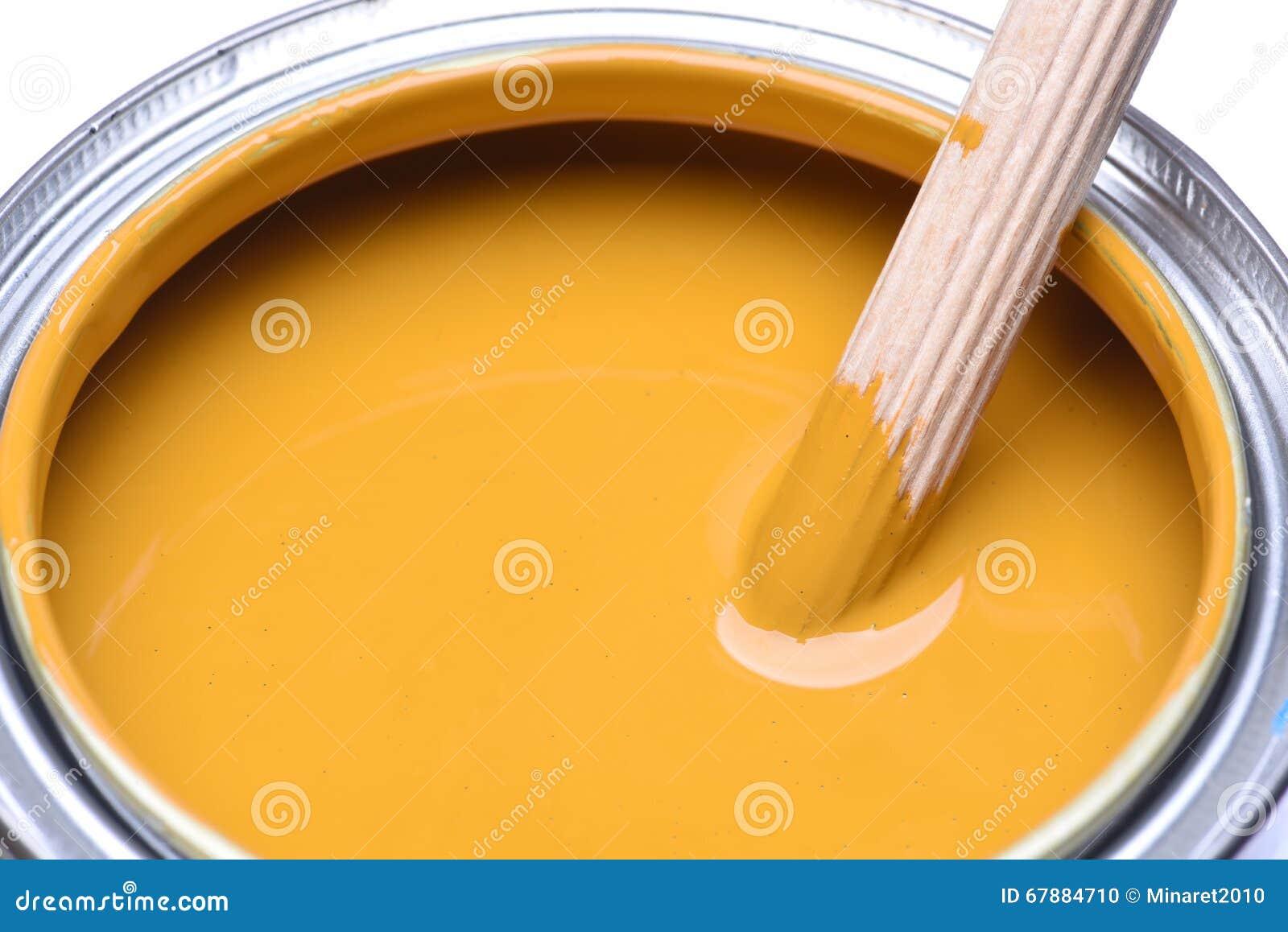 黄色油漆罐头