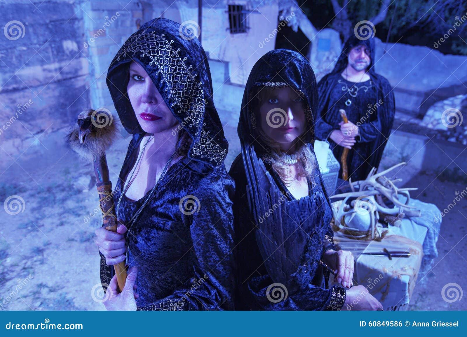 黑色的三个巫婆