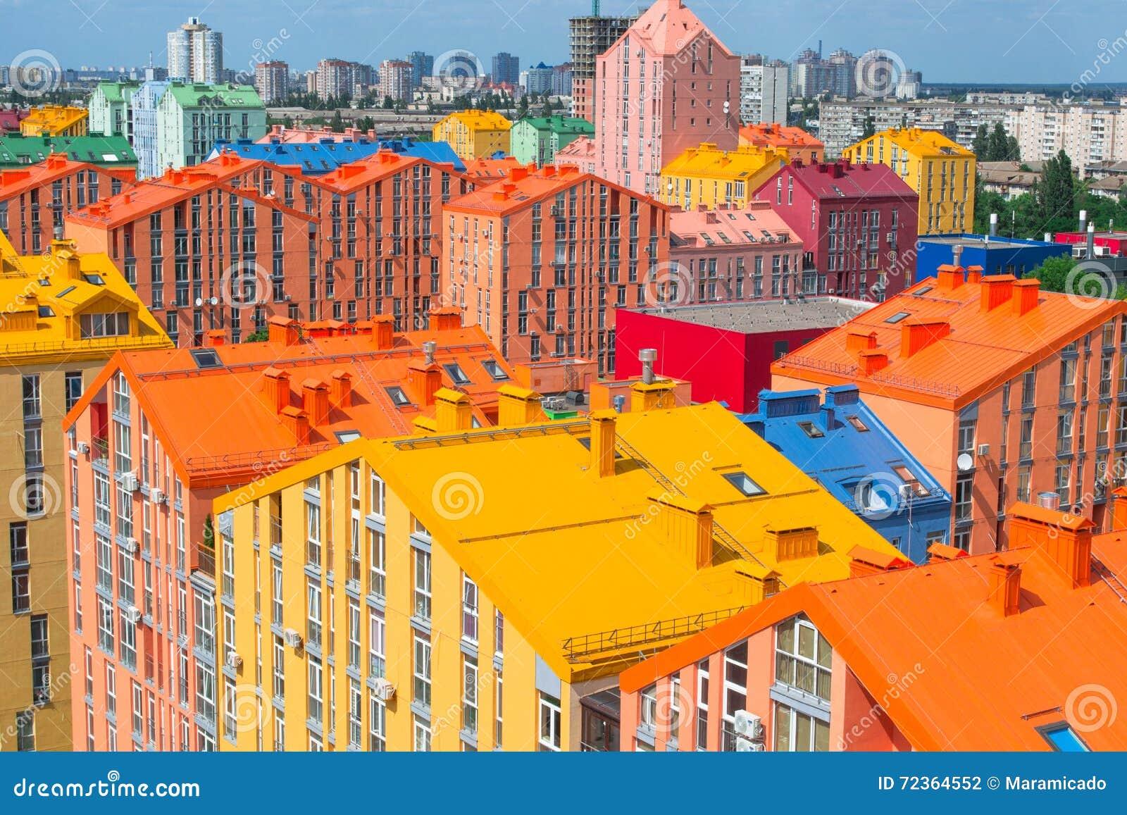 色的城市街道全景鸟瞰图
