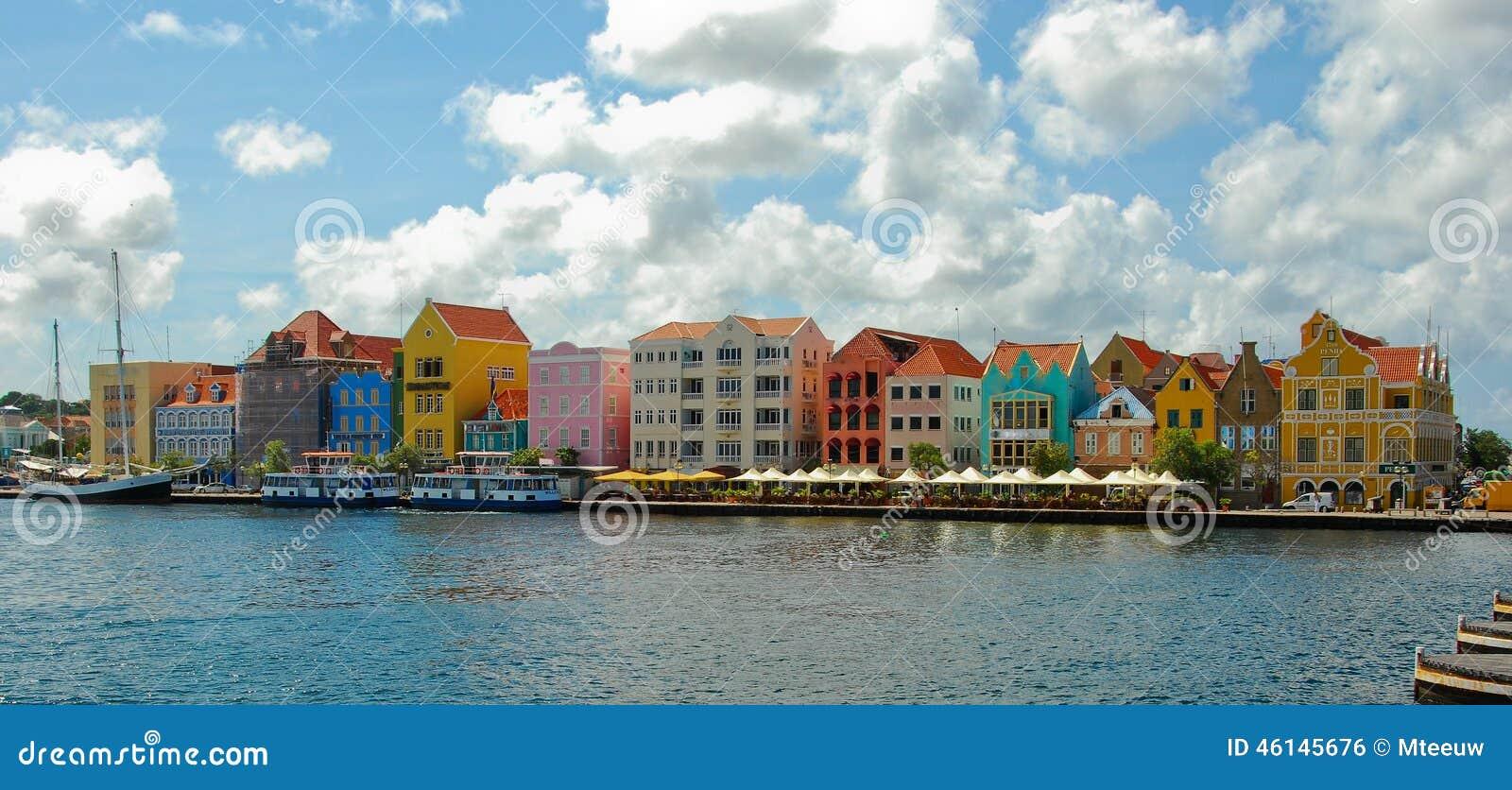 色的房子库拉索岛