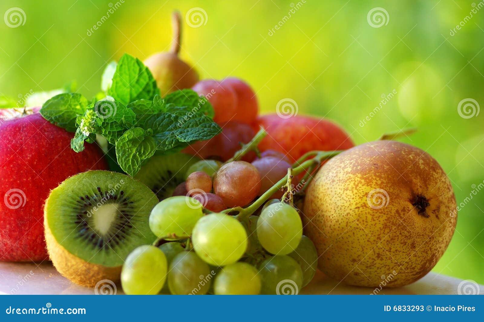 色的新鲜水果
